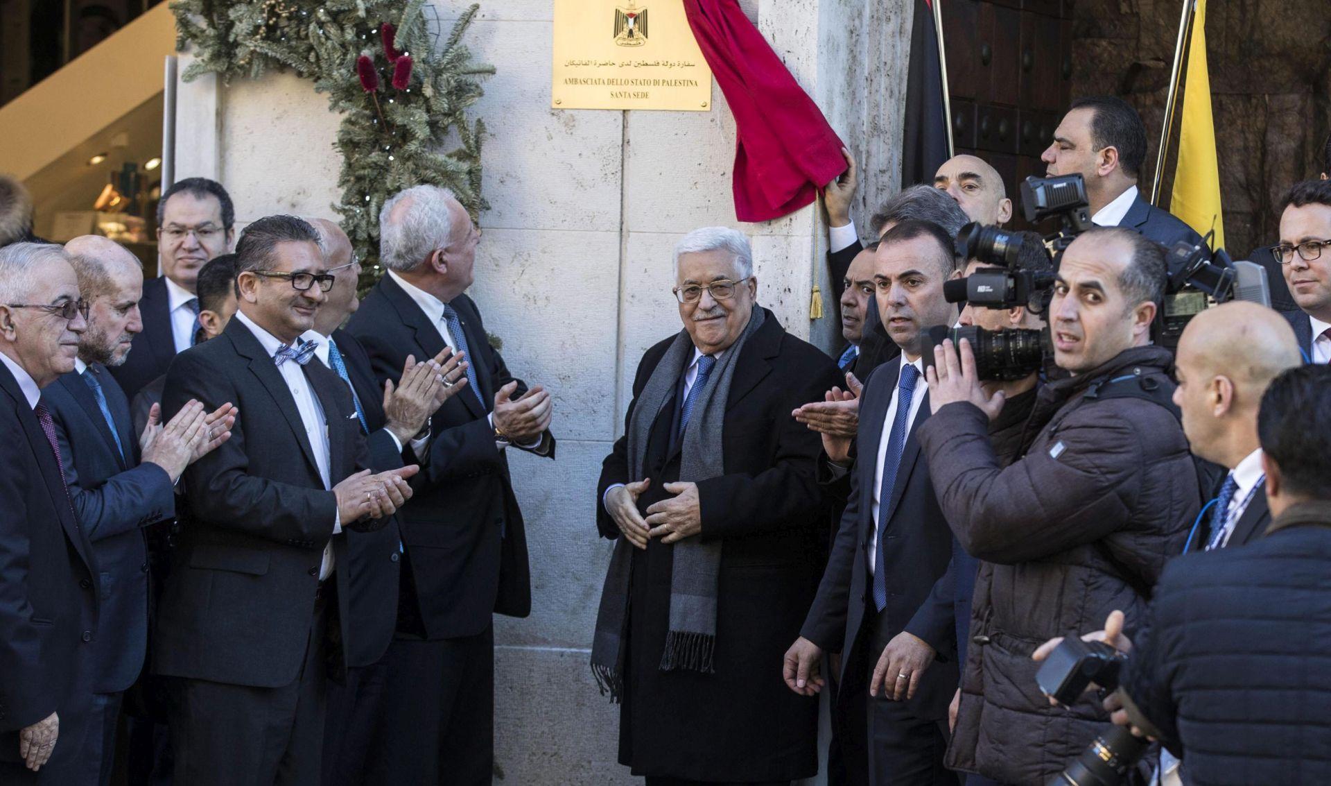 Trump će 3. svibnja primiti palestinskog predsjednika Abbasa
