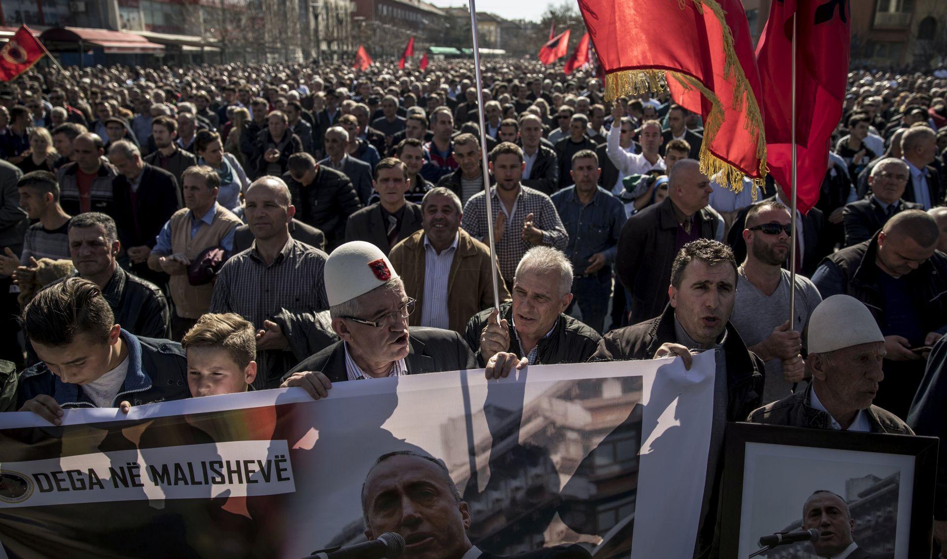 Haradinaj tvrdi da Srbija zahtjevom Francuskoj za njegovo izručenje 'poziva na rat'
