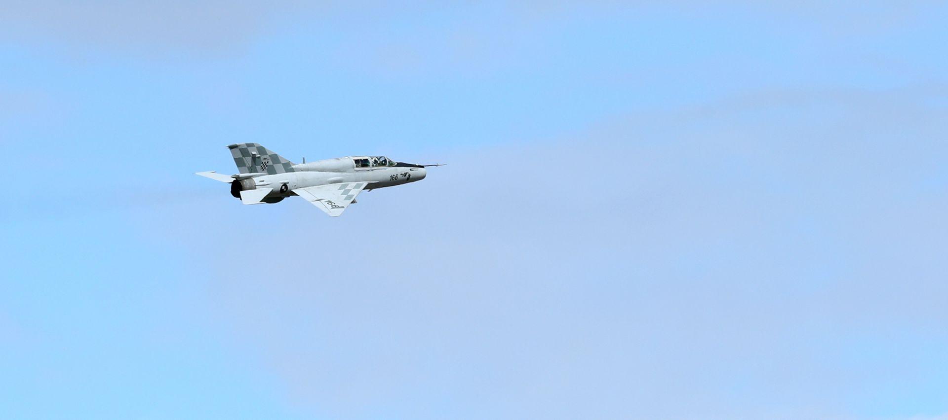Avioni HRZ i PZO u redovnim letačkim aktivnostima, moguće probijanje zvučnog zida