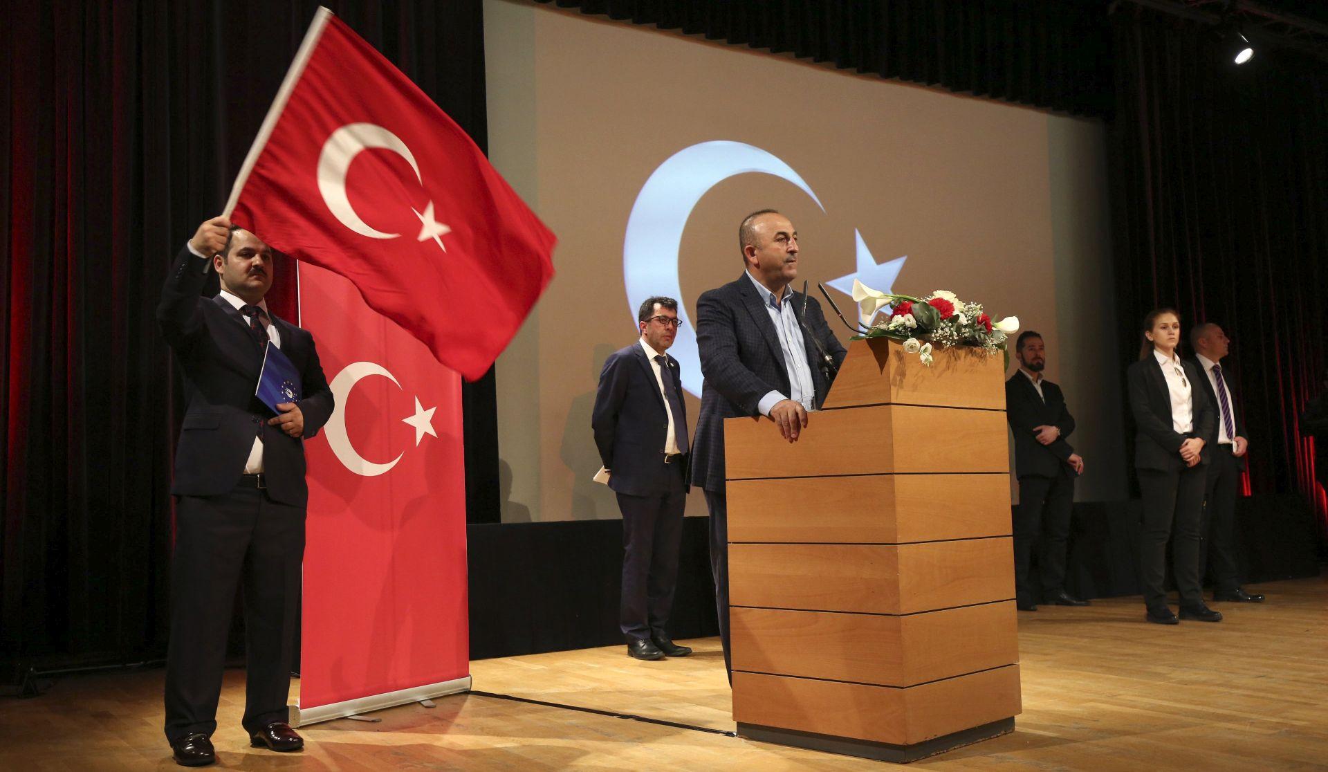 PARIZ Turski referendum o smrtnoj kazni označit će prekid s europskim vrijednostima