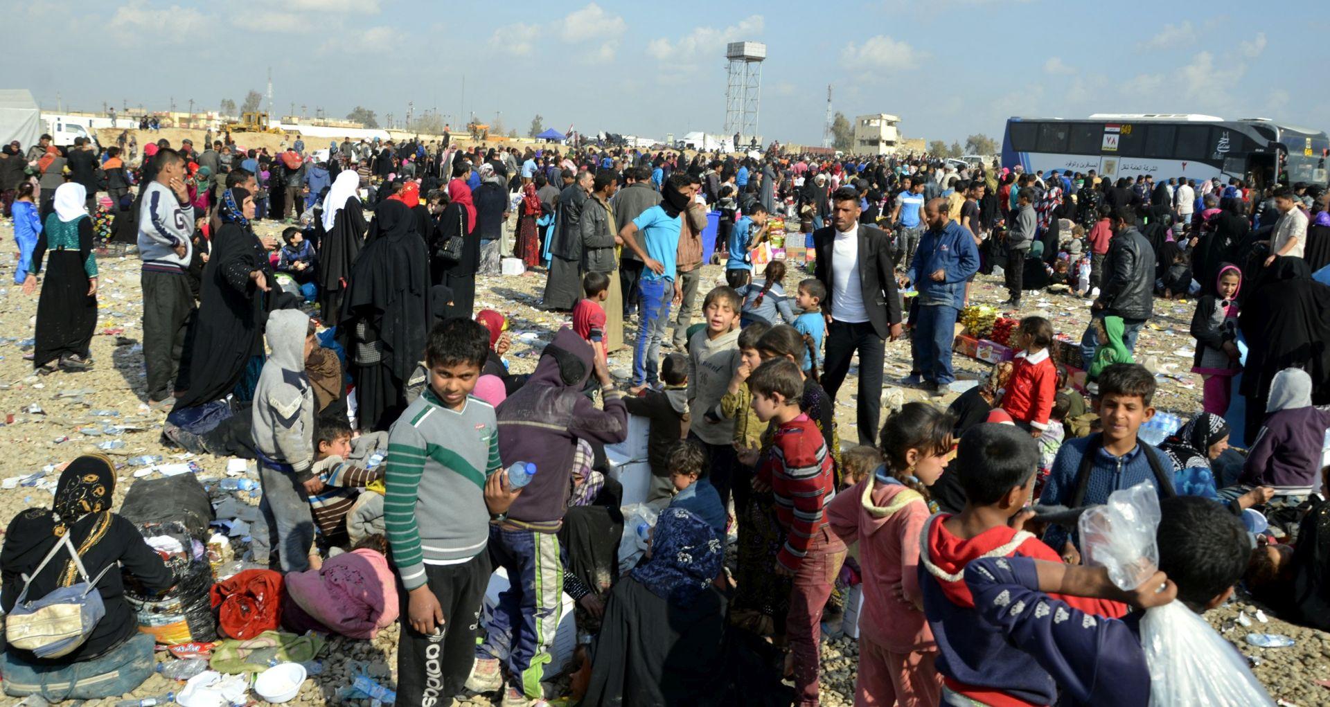 Stotine izbjeglica i dalje napuštaju Mosul, iračke snage napreduju protiv IS-a
