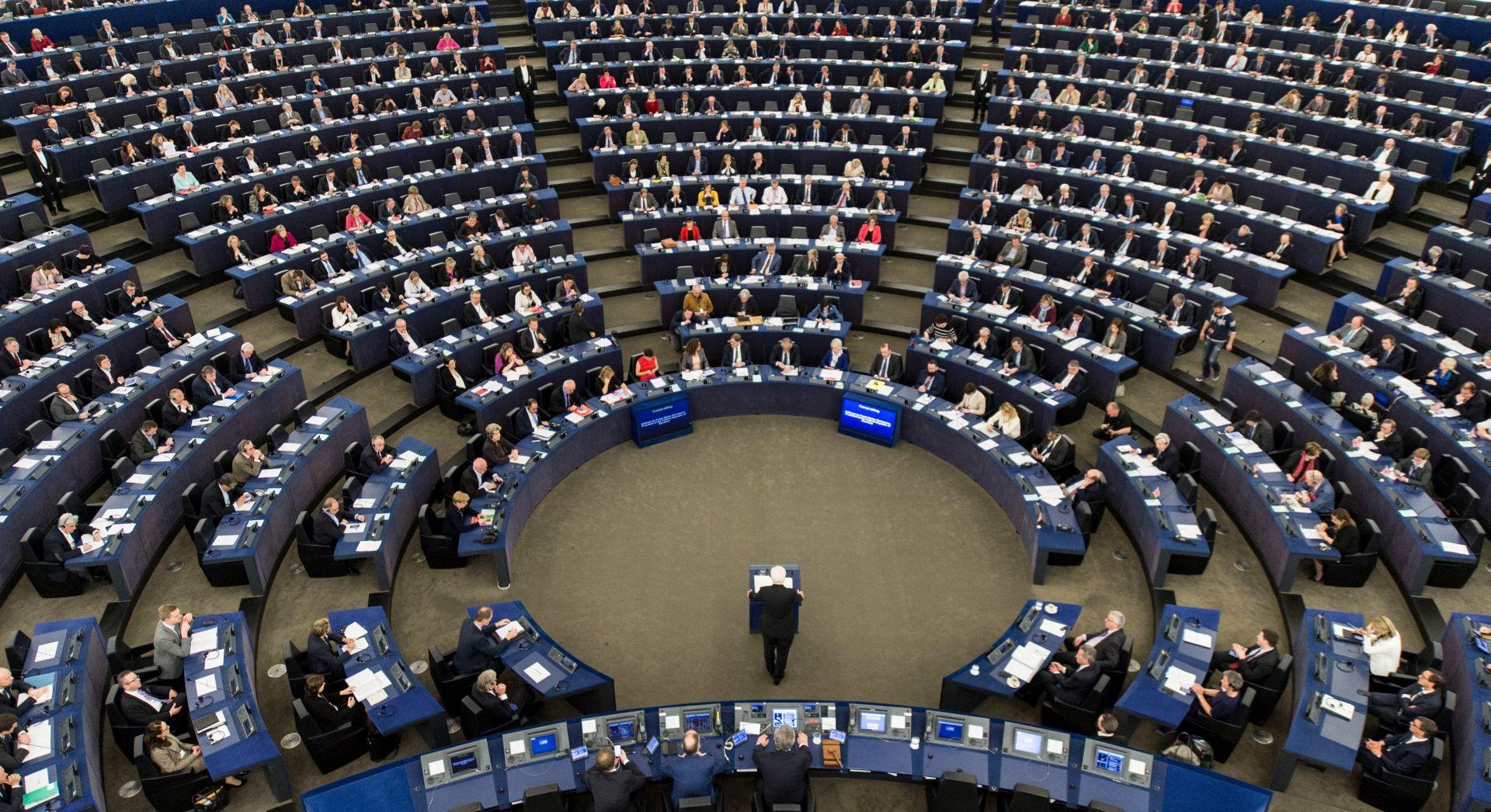 Europarlamentarci snažno osudili isticanje simbola fašizma i nacizma
