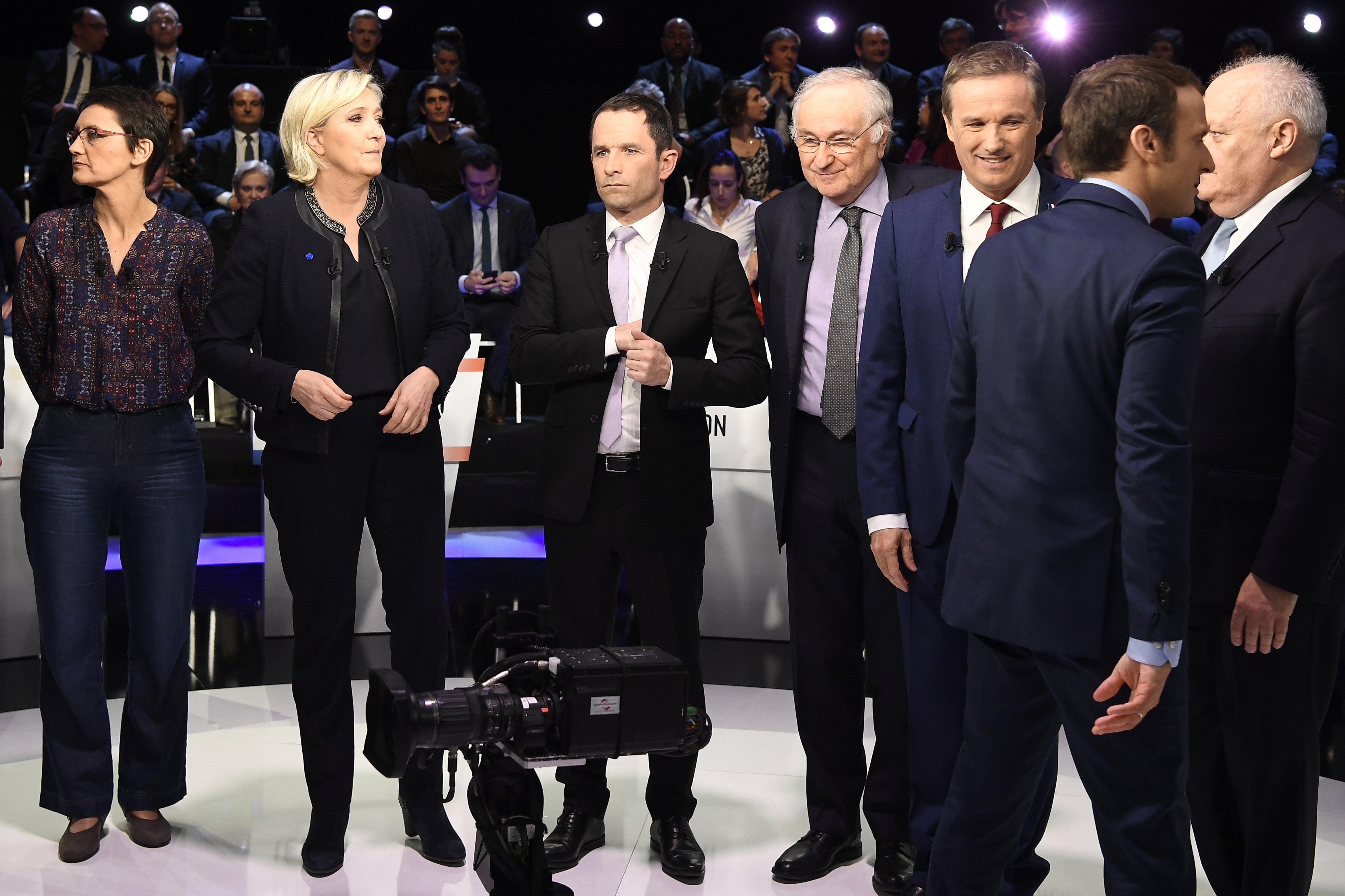 Raste podrška Marini Le Pen nakon pariškog napada, no Macron pobjeđuje