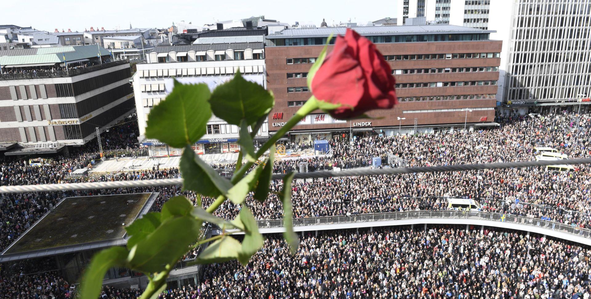 VIDEO: Više od 20 tisuća Šveđana na prosvjedu protiv terorizma