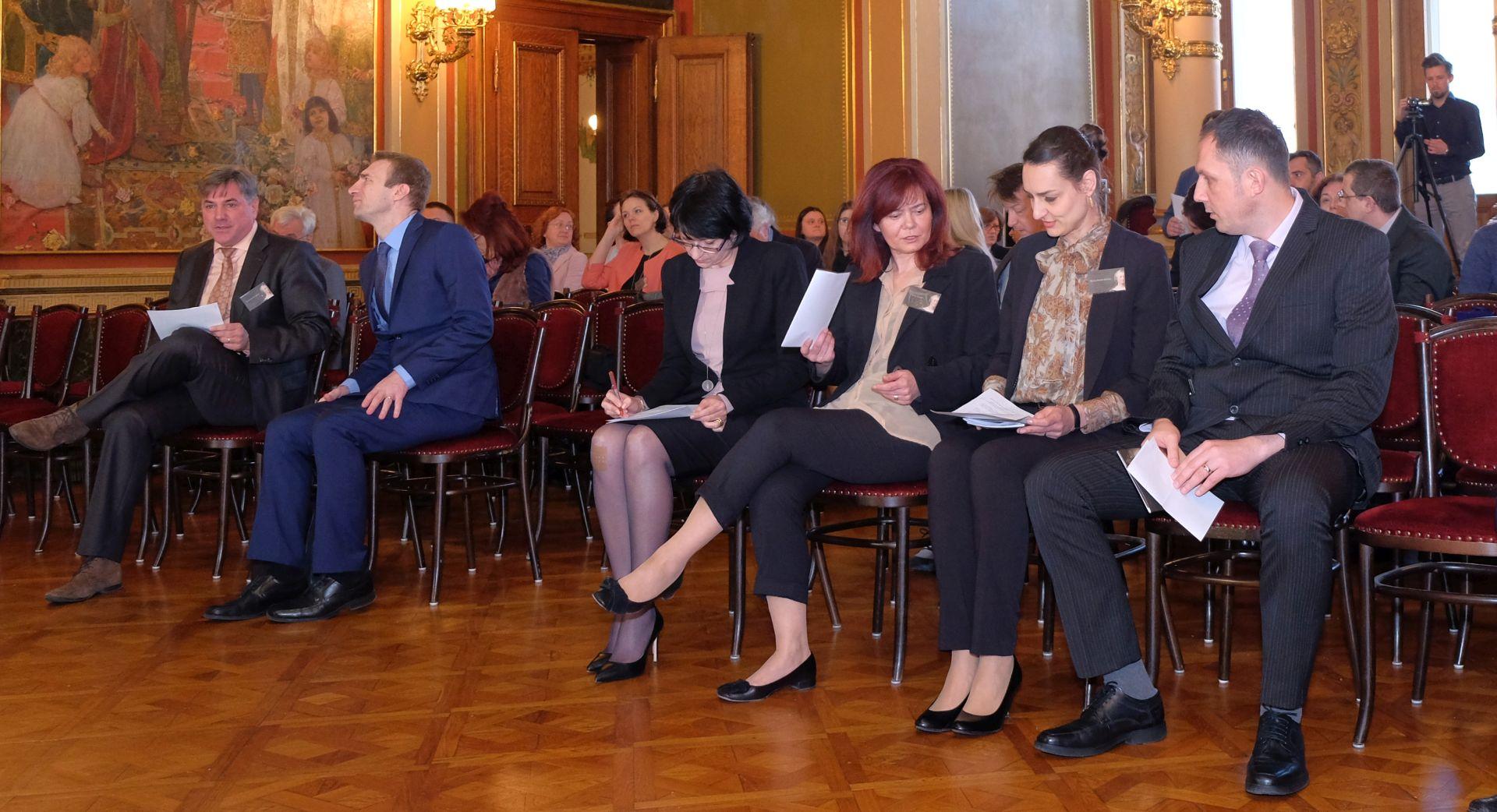 """Međunarodna konferencija """"'Kralj' Marija Terezija"""" u Hrvatskom institutu za povijest"""