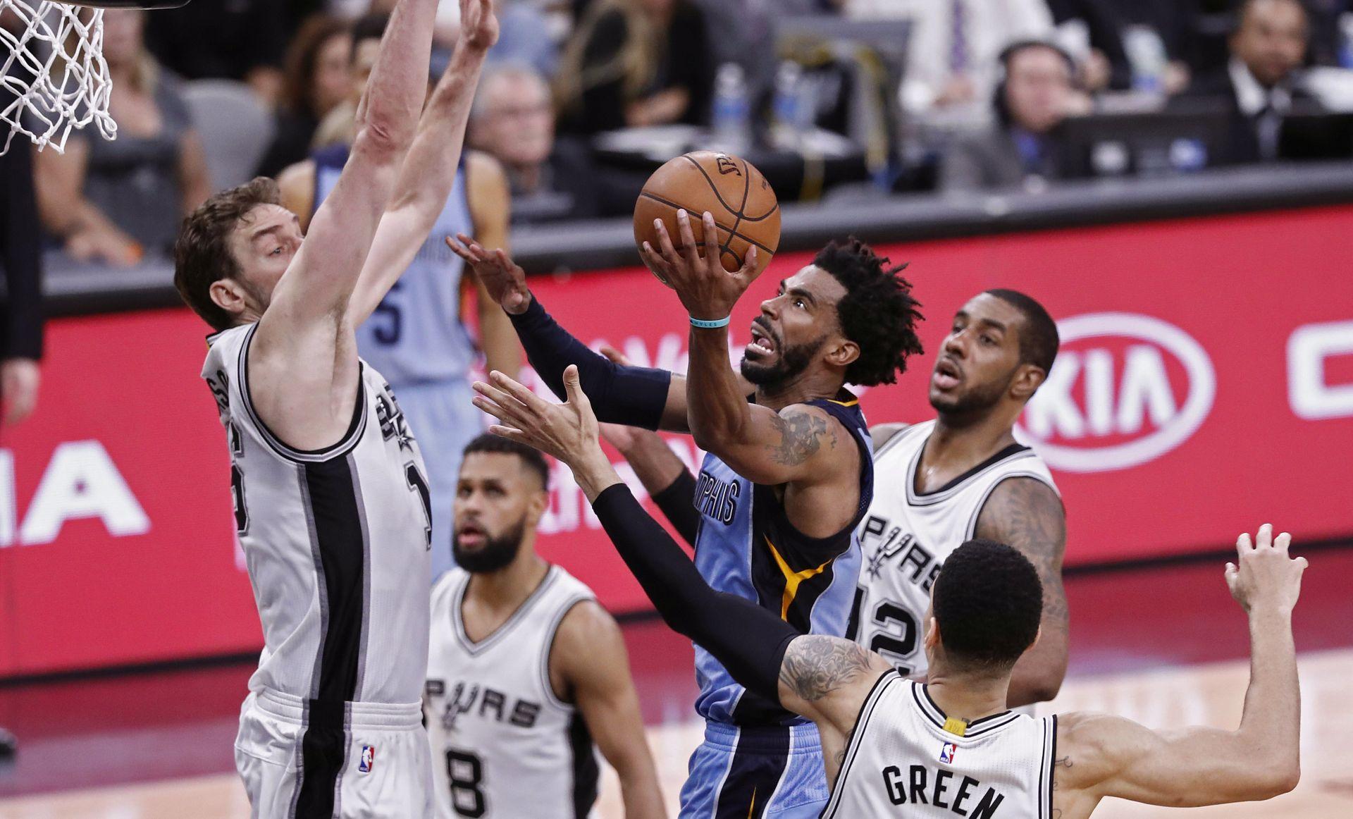 NBA: Memphis u trileru izjednačio, Atlanta smanjila