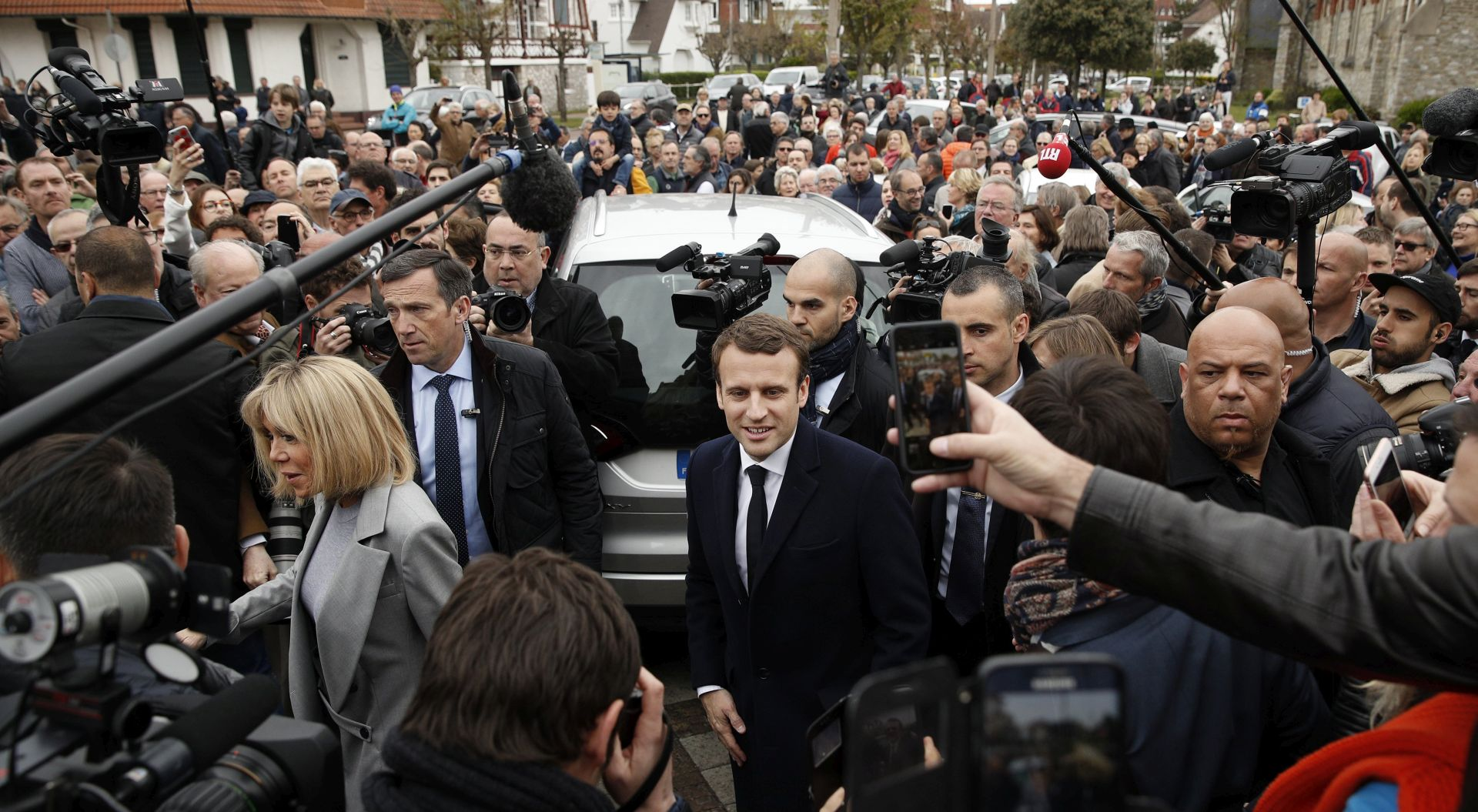 PRVI DIJELOMIČNI IZBORNI REZULTATI Macron i Le Pen ulaze u drugi krug