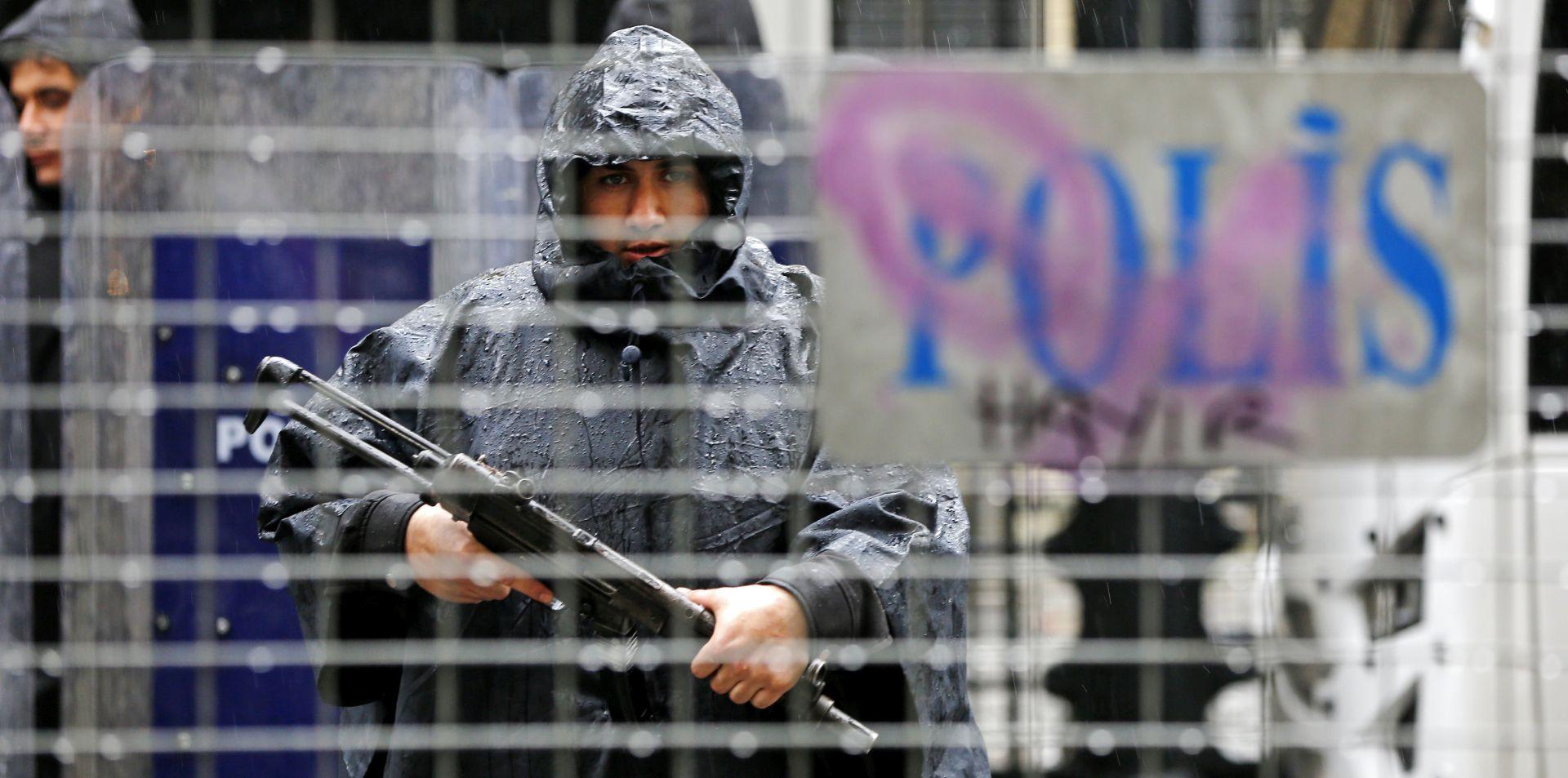 """Turska kaže da je pritvorila 1000 """"tajnih imama"""" u čistki policije"""