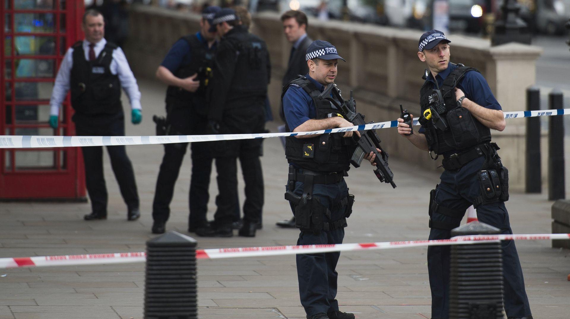 VELIKA BRITANIJA U protuterorističkoj operaciji četvero uhićenih, jedna žena ranjena