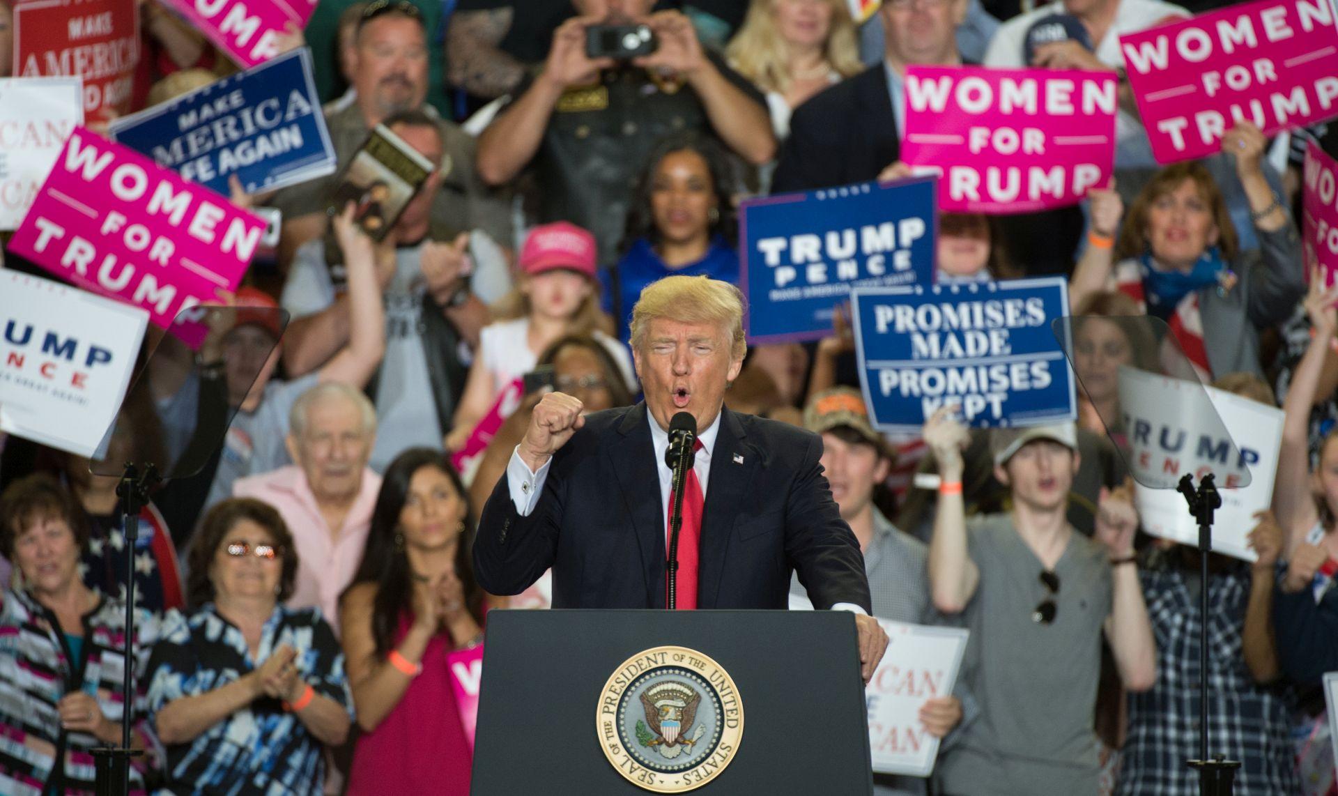 Trump obilježavanje svojih 100 dana počeo napadom na medije