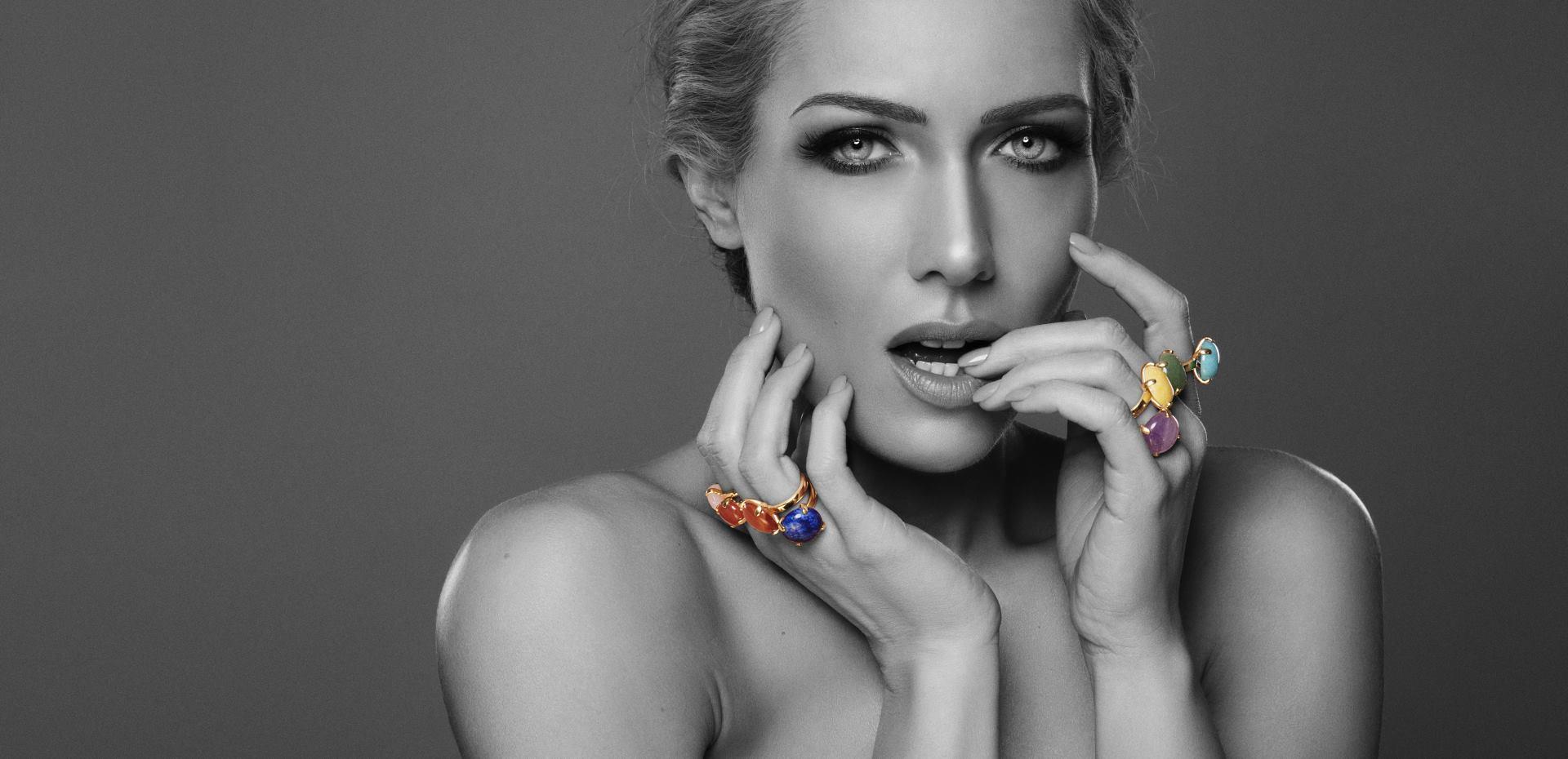 FOTO: Ivana Mišerić potpuno ženstvena u novoj liniji ELFS nakita
