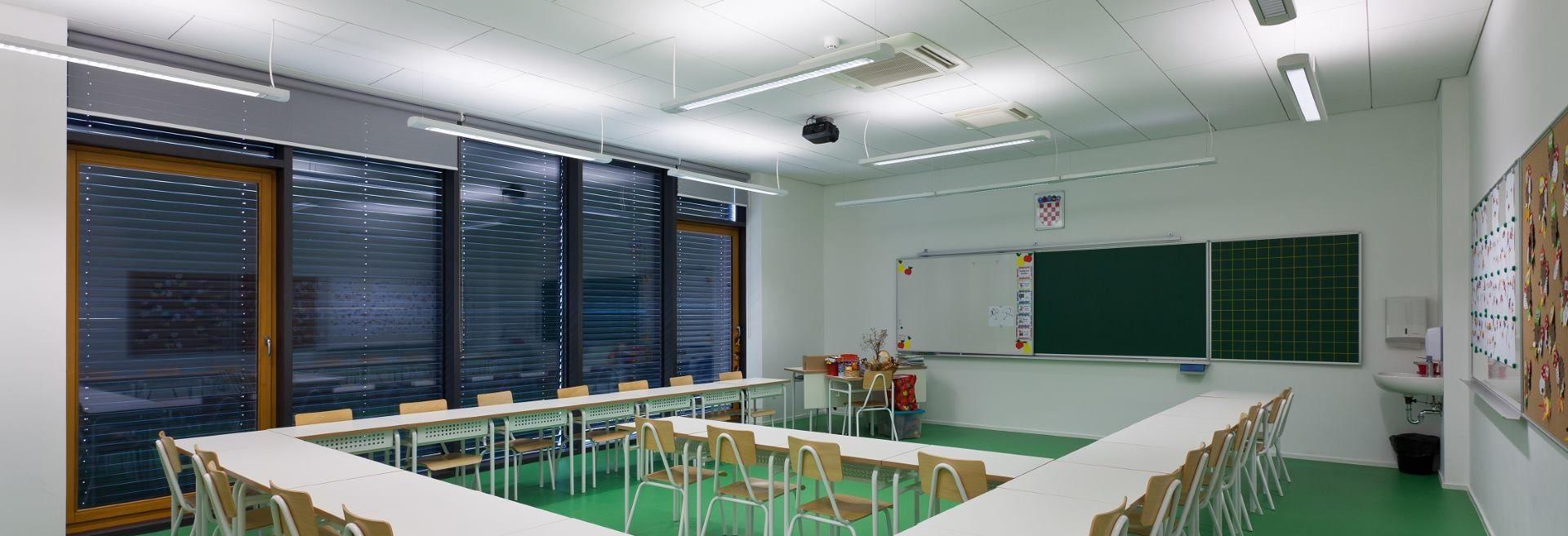 FOTO: Nepravilna rasvjeta uzrok nošenja naočala i manjka koncentracije pri učenju