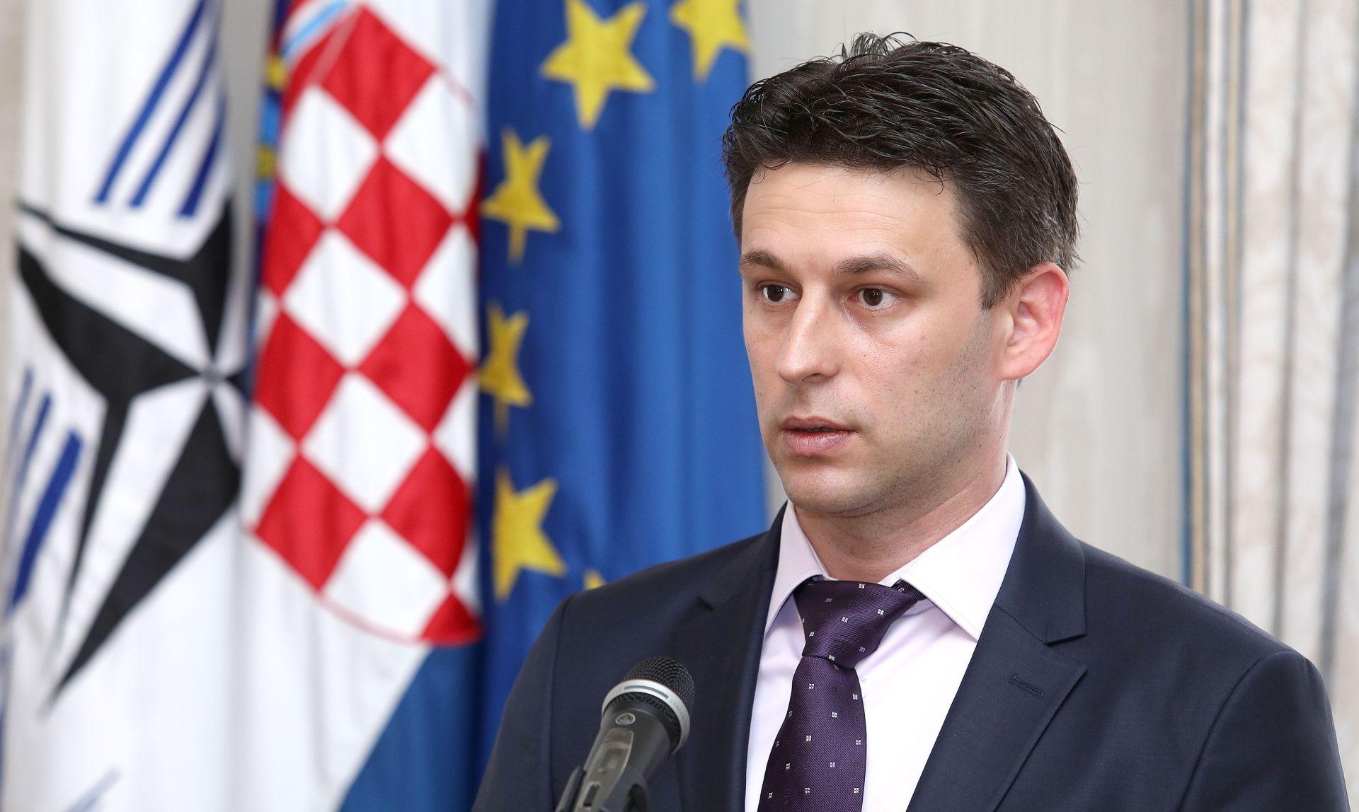 PETROV 'HDZ pokušava kupiti našeg zastupnika, obećali su mu deblokadu računa'