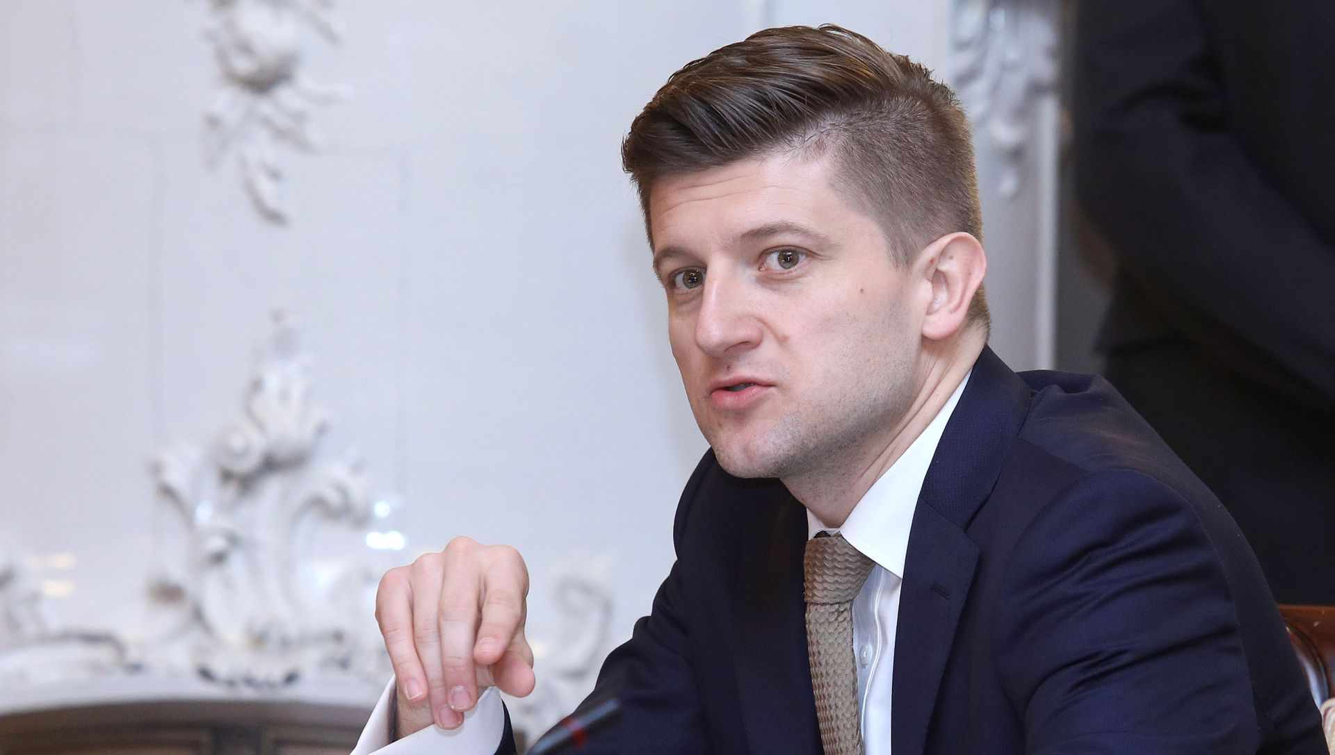 MARIĆ 'Porezna uprava naplaćuje dugove od svih, pa i od Agrokora'