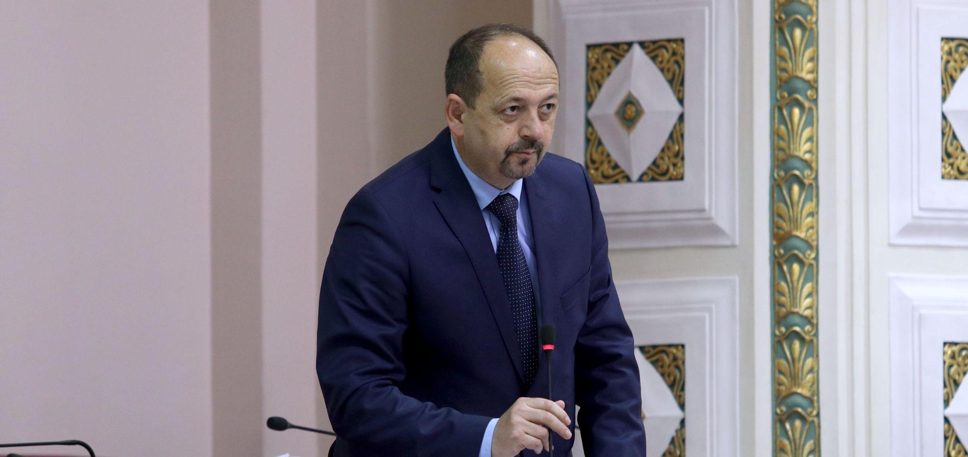 SABOR Lovrinović će javno odgovoriti zašto strani trgovački lanci ne plaćaju državi porez na dobit