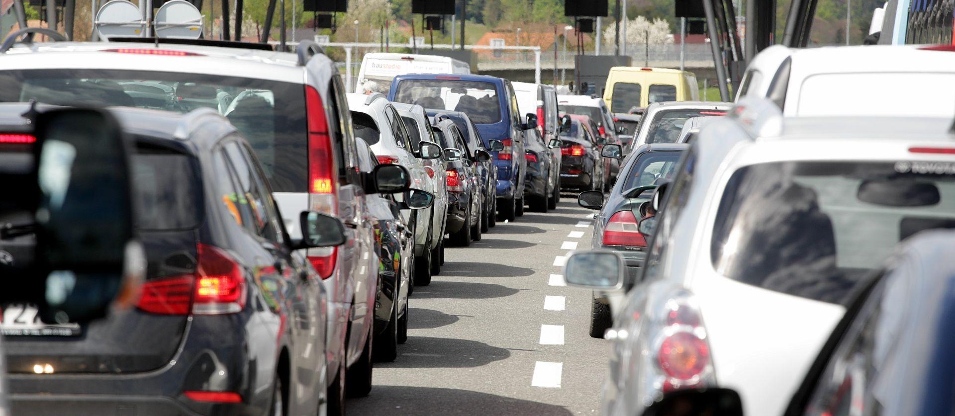 HAK Povoljni uvjeti za vožnju, prometna na A2, gužve na granicama