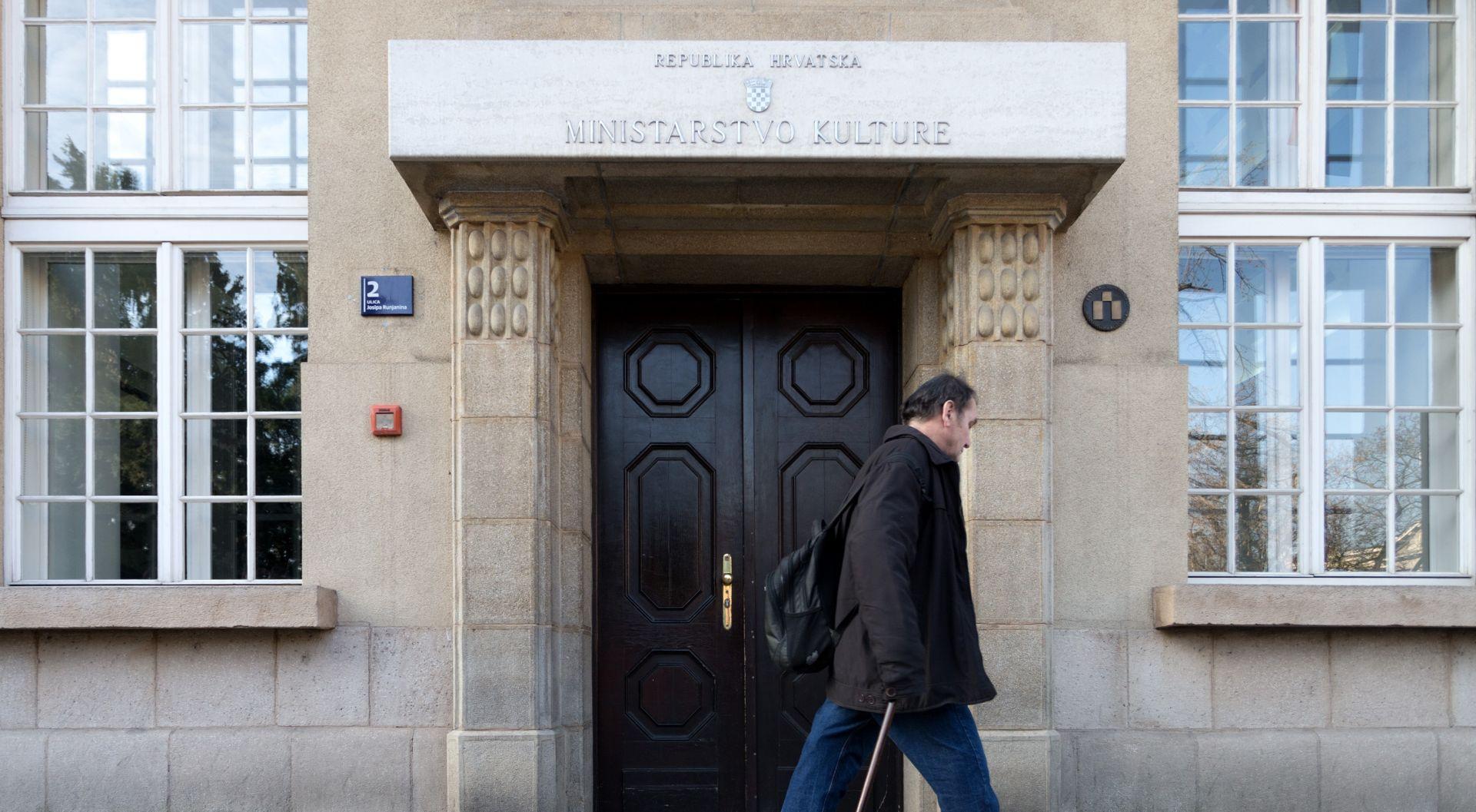 Hrvatski suvremeni umjetnik Tomo Savić Gecan na rezidenciji u CERN-u