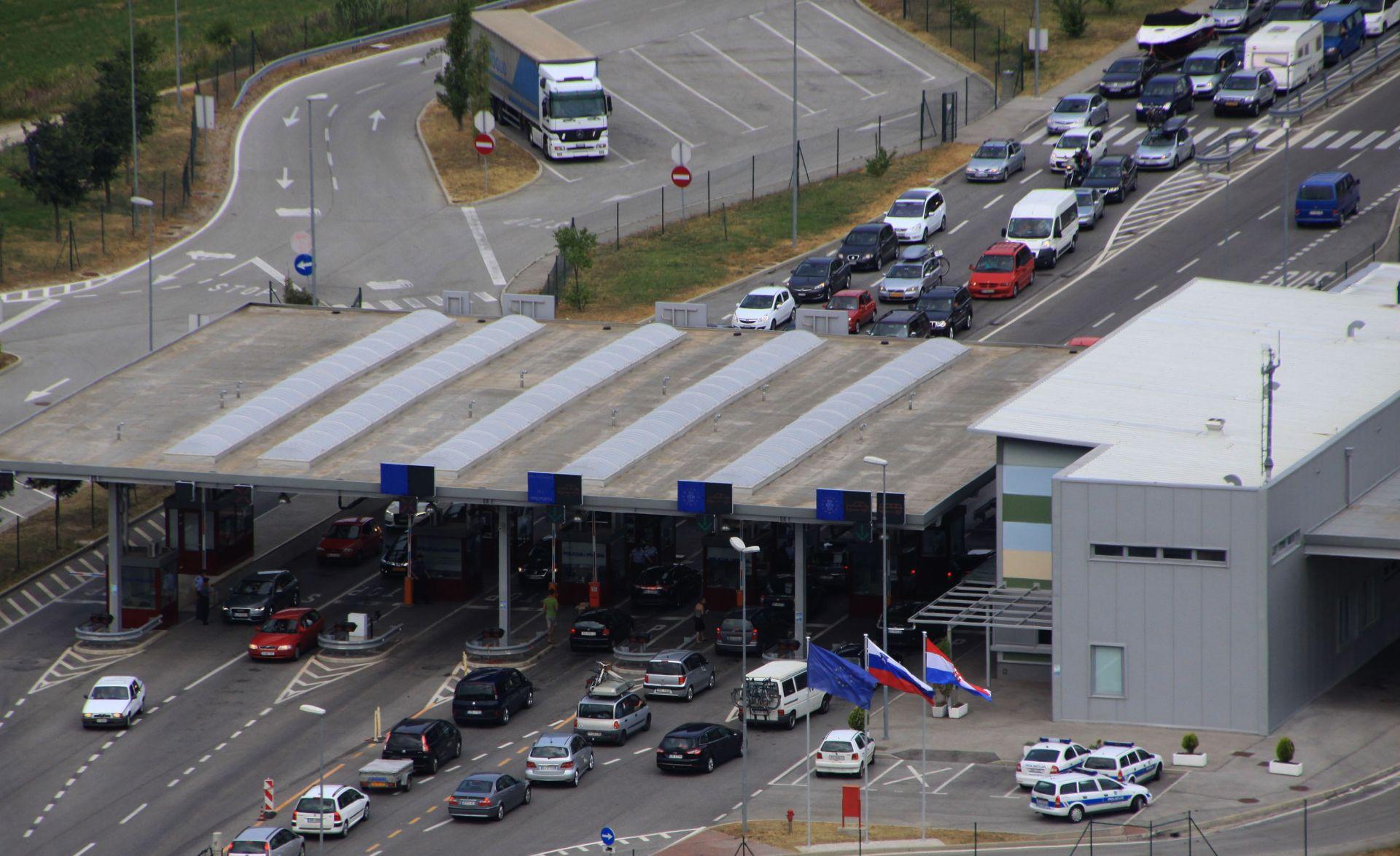 HAK Zbog sustavnih kontrola čekanja na graničnim prijelazima