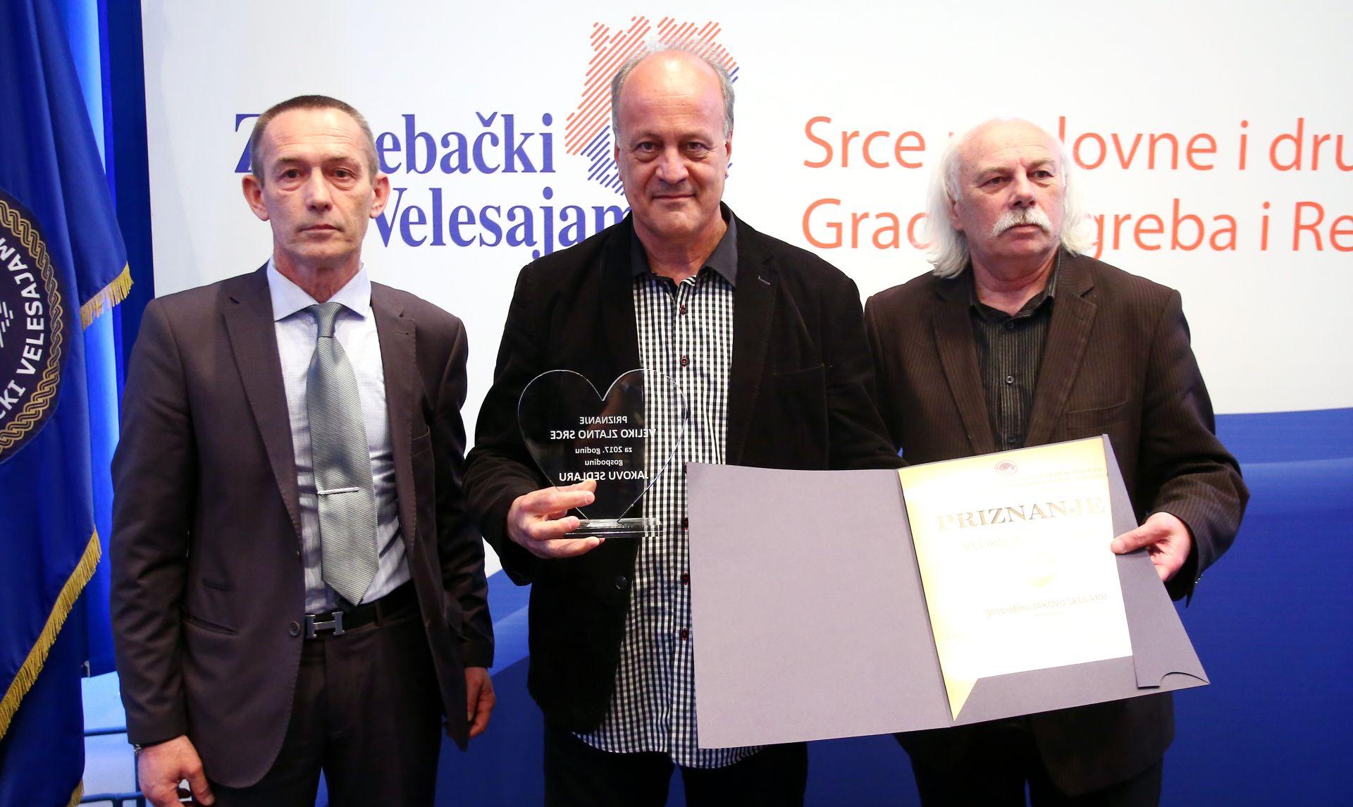 """ZAGREB Uručeno priznaje """"Veliko zlatno srce"""" Jakovu Sedlaru"""