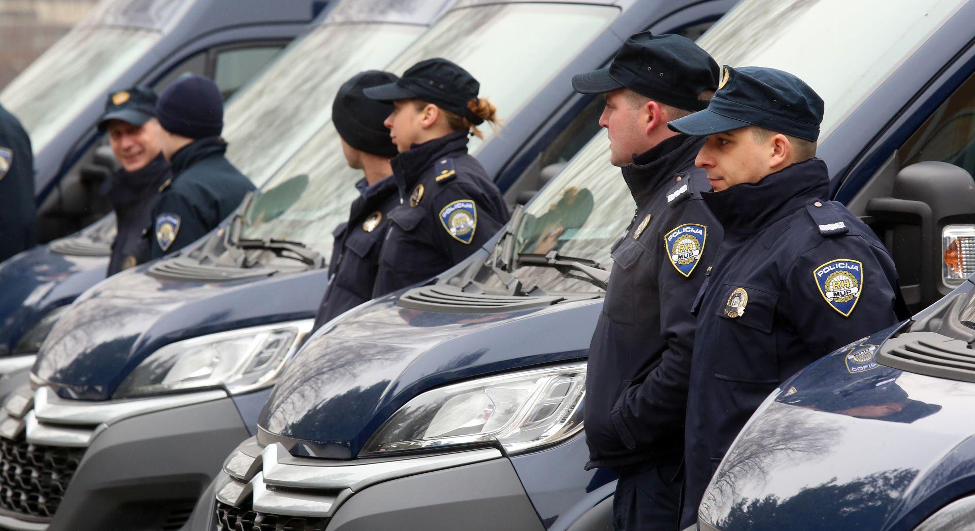 MUP Od petka policija provjerava sve putnike na svim EU granicama