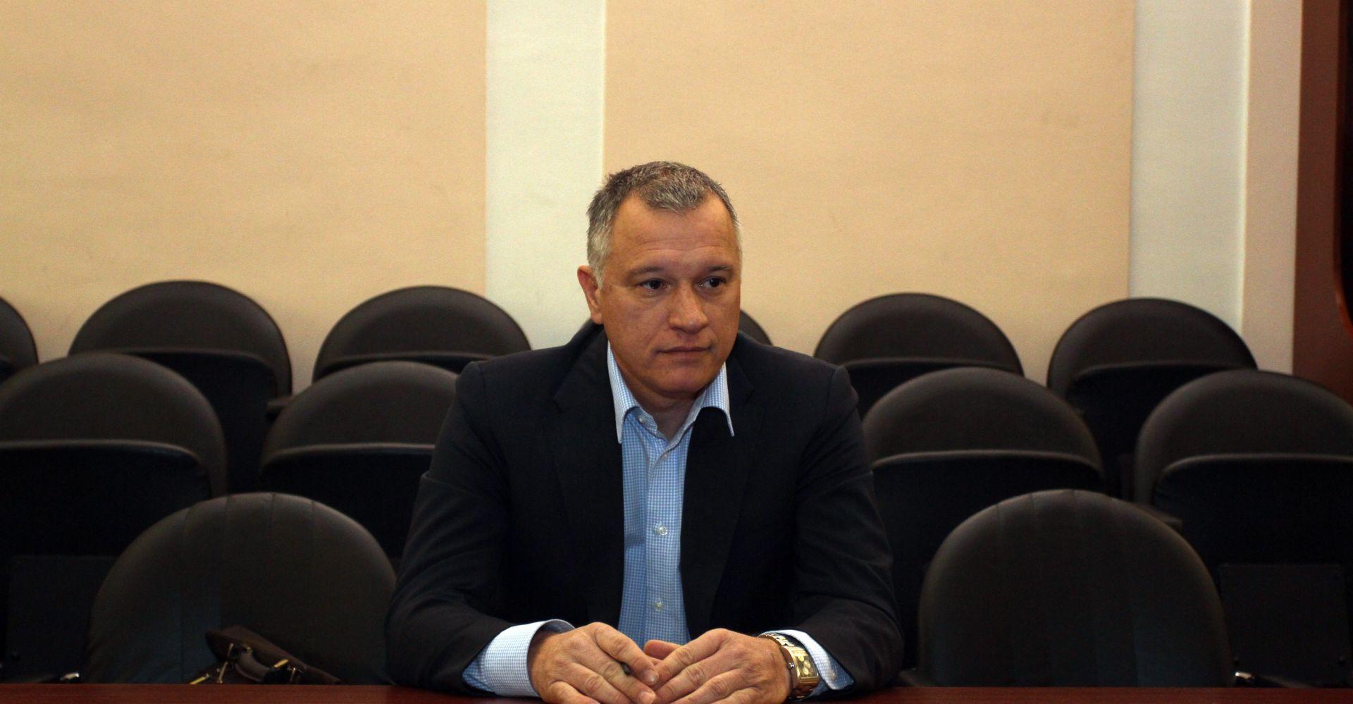 Burić optužio Obersnela za pogodovanje 3. maju