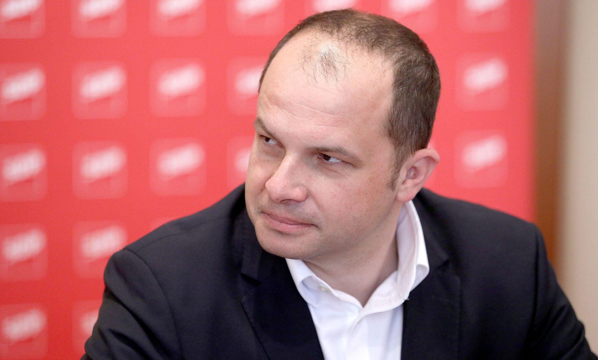 "HAJDAŠ DONČIĆ ""Izbor povjerenika pokazuje da je pravi ministar gospodarstva Borislav Škegro"""