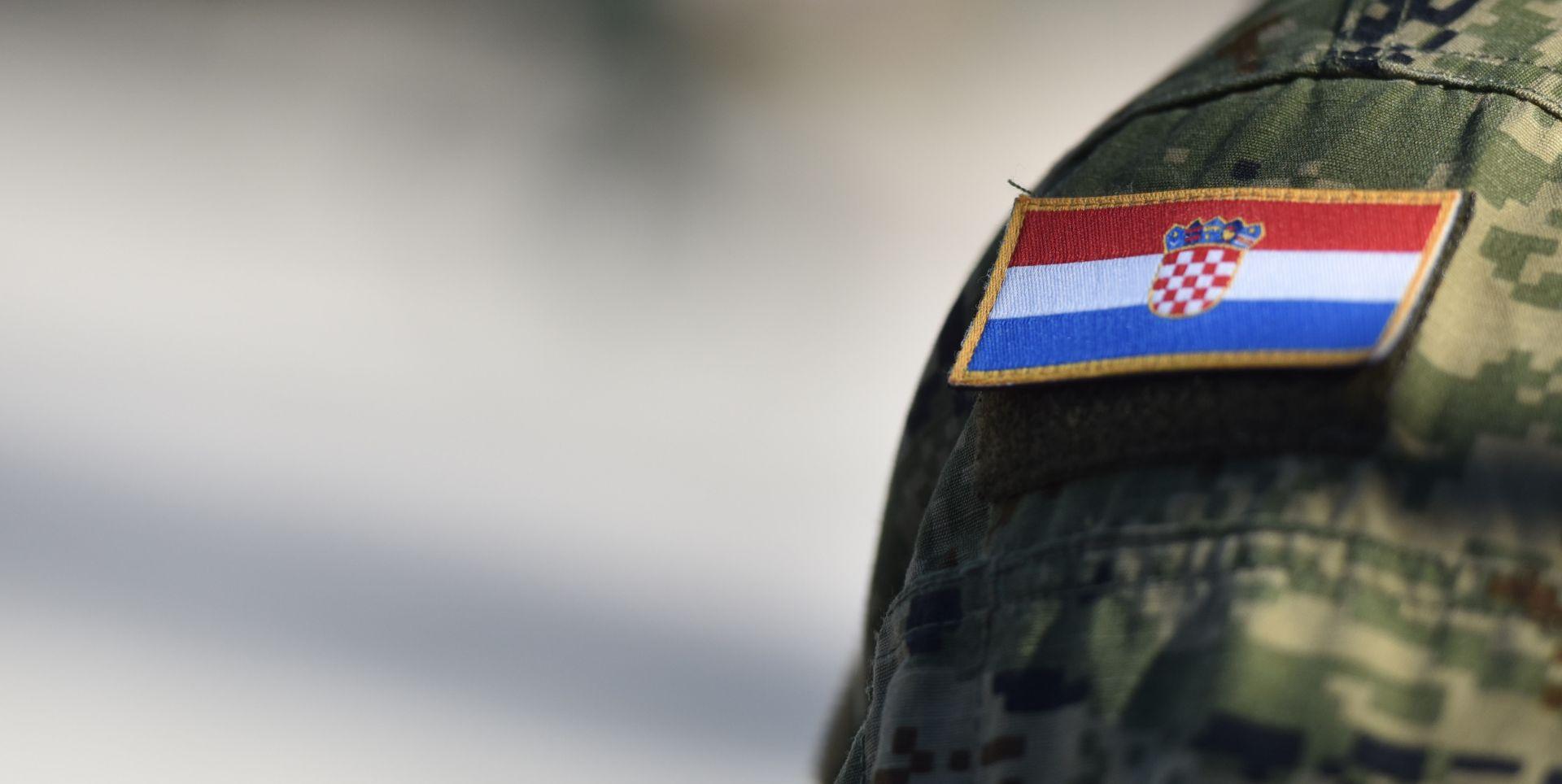 MORH Tijekom vojne vježbe u Istri, meta za gađanje u zraku pala na kuću