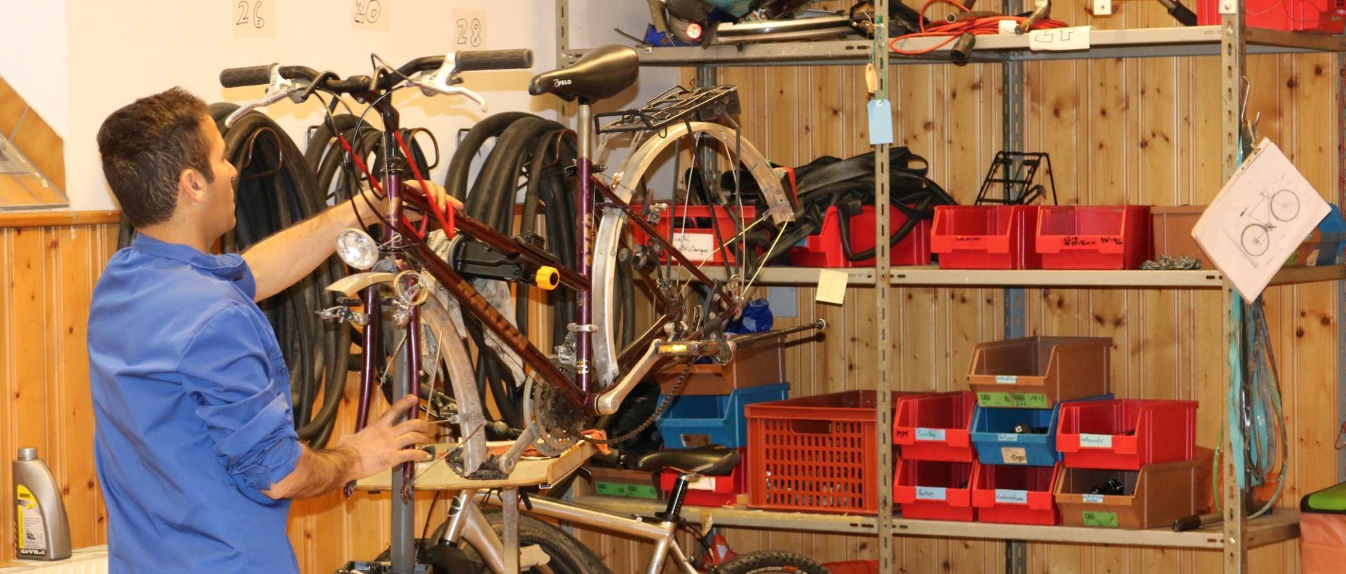 GRAD BEČ Zanimljiv projekt integracije za tražitelje azila – Refugee Bike Kitchen