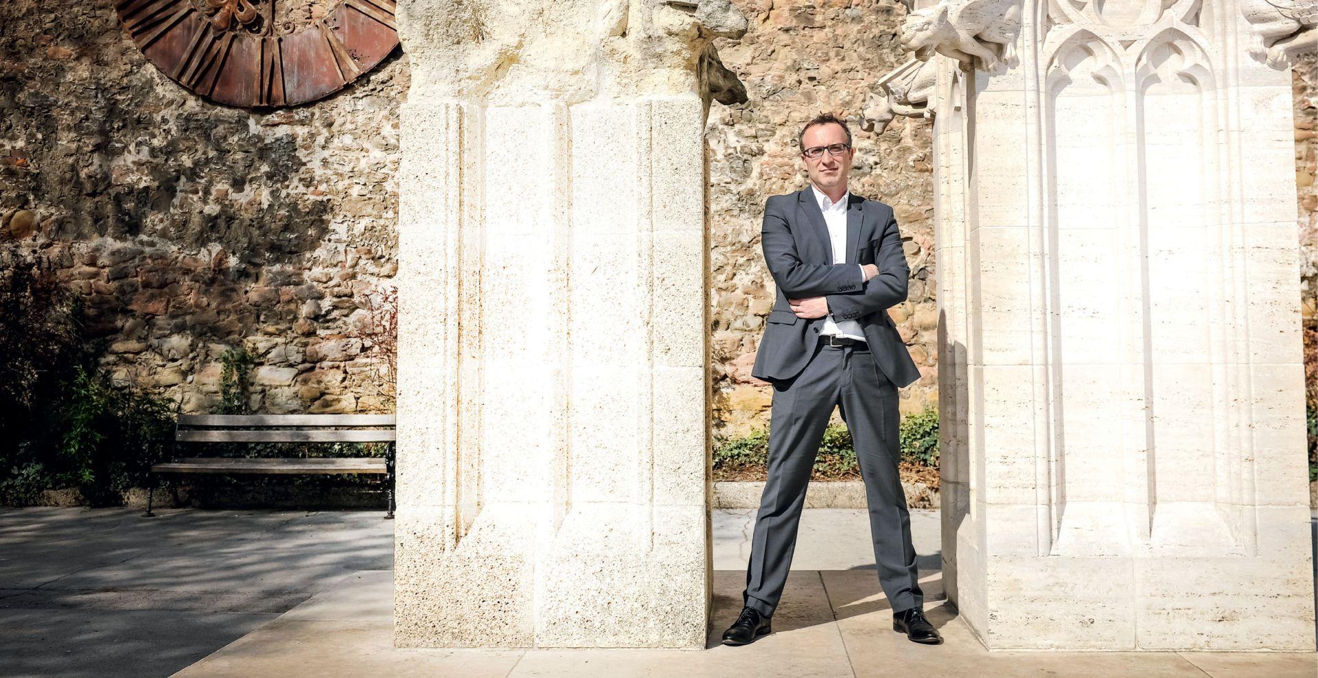 INTERVIEW: MARKO SLADOLJEV 'Bandić ima pravomoćnih optužnica više nego dečki s Knežije, ali treba mu se suditi nakon što izgubi izbore'