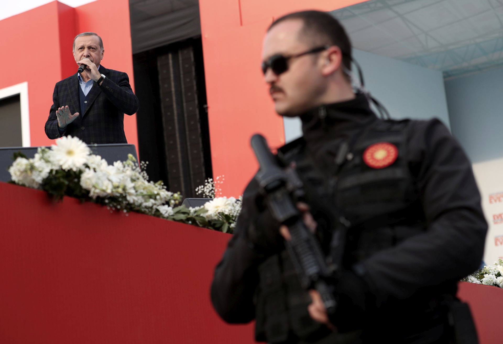 USTAVNI REFERENDUM: Erdogan još jednom pozvao Turke u inozemstvu da glasaju