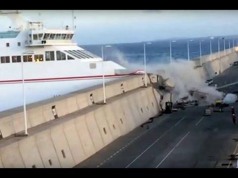 VIDEO: Trajekt se zabio u luku na Kanarima, ostala naftna mrlja duga 3 kilometra