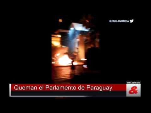 VIDEO: PARAGVAJSKI PROSVJEDNICI ZAPALILI ZGRADU KONGRESA Ne žele predsjednika