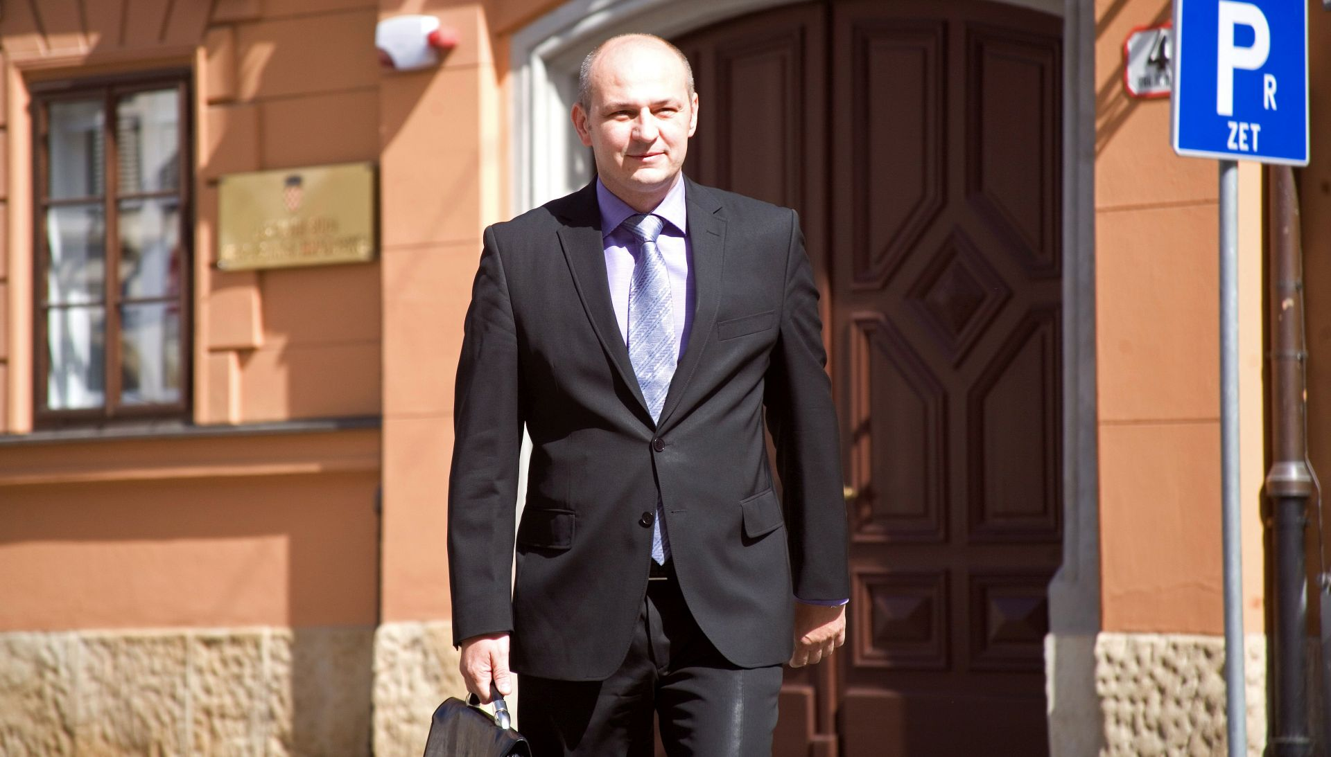 AGROKOR Kolakušić: 'Položaj Alvareza u Agrokoru je pravno nejasan'