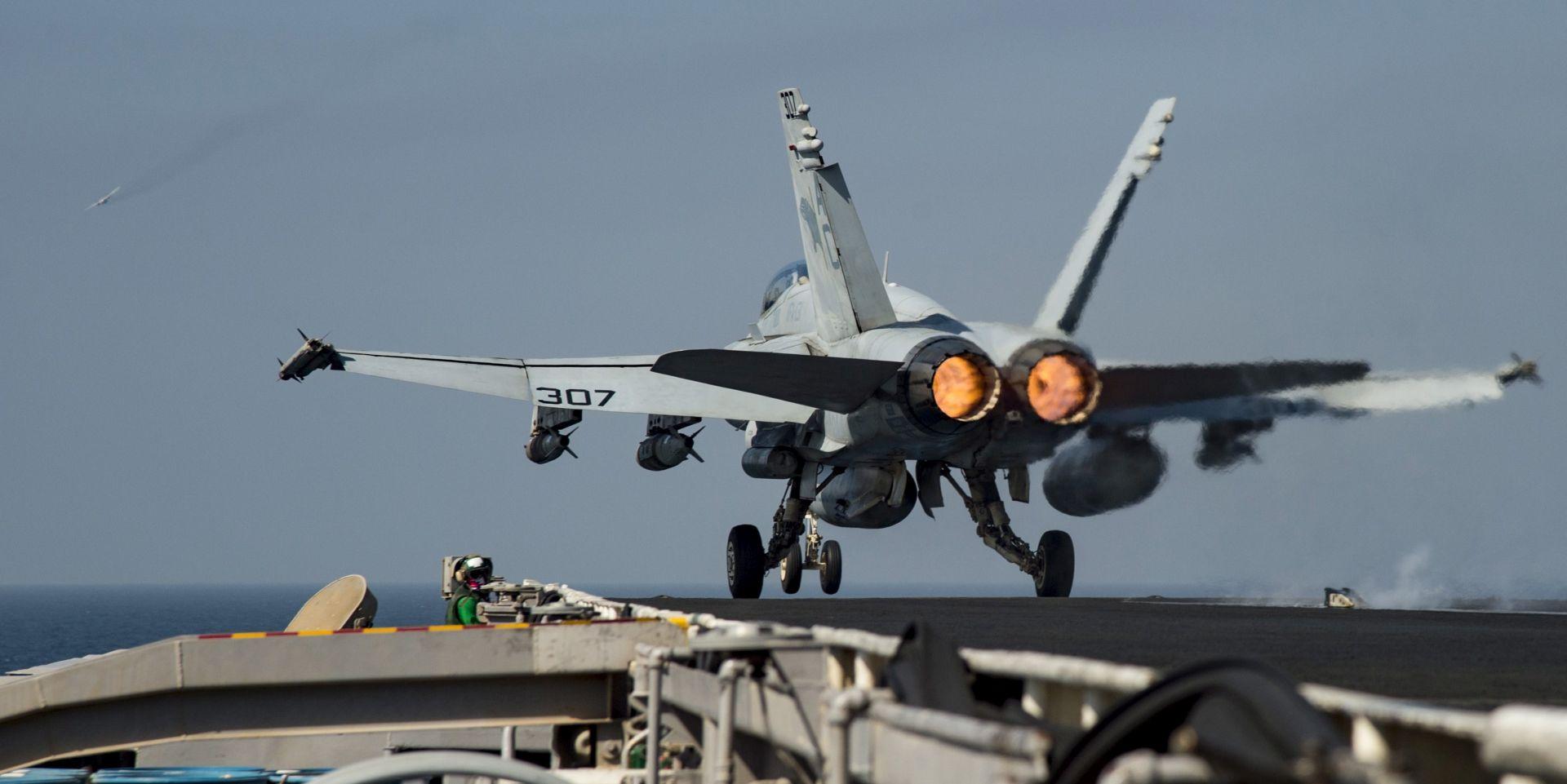 SOHR: U koalicijskim zračnim udarima na uporište IS-a u Siriji ubijeno 15 civila