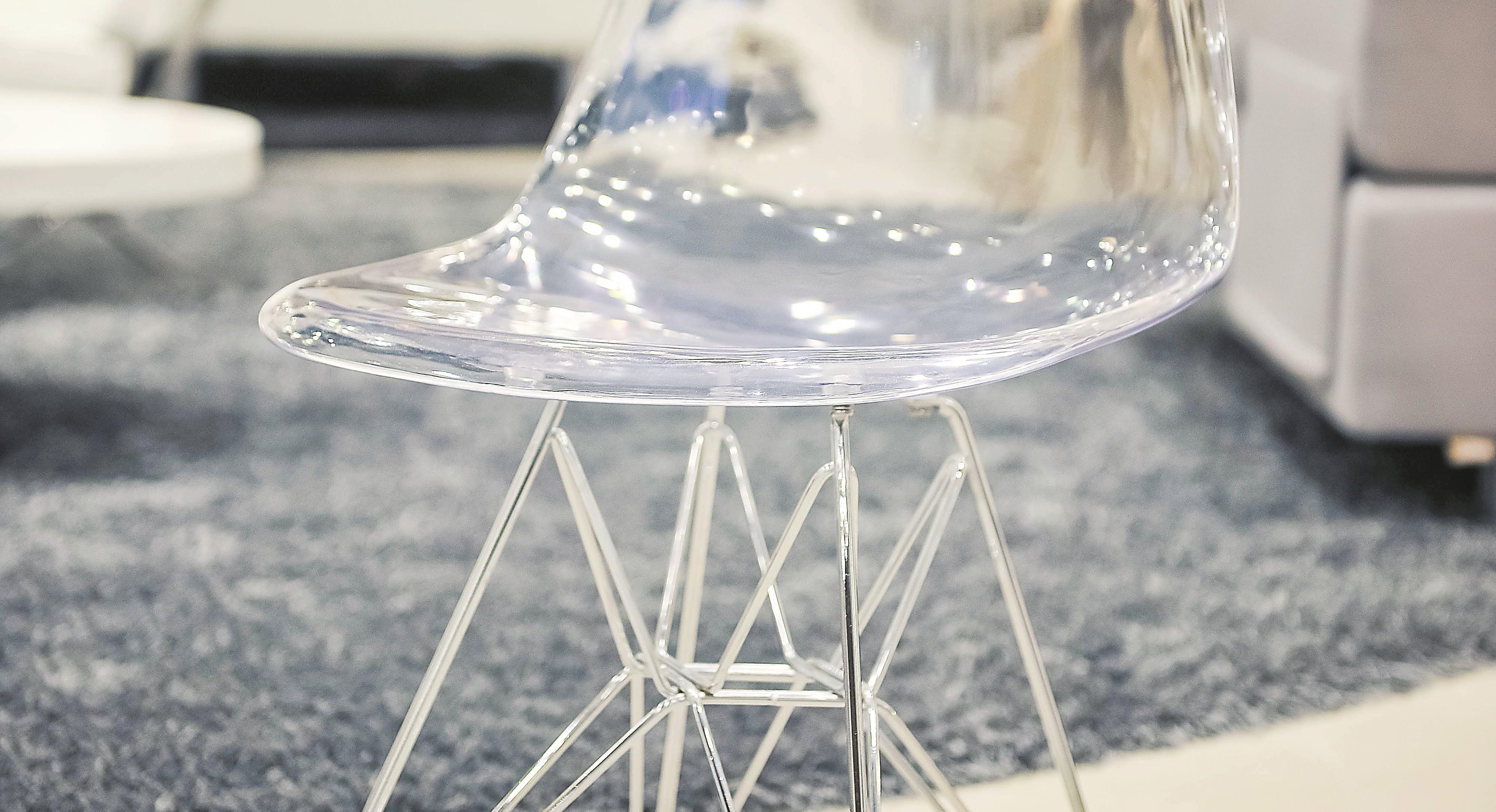Stolica od prozirnog polikarbonata