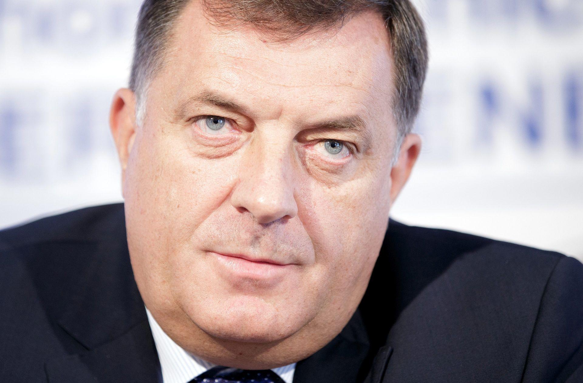 Čović i Dodik tvrde da tajna služba ilegalno prisluškuje i prati dužnosnike