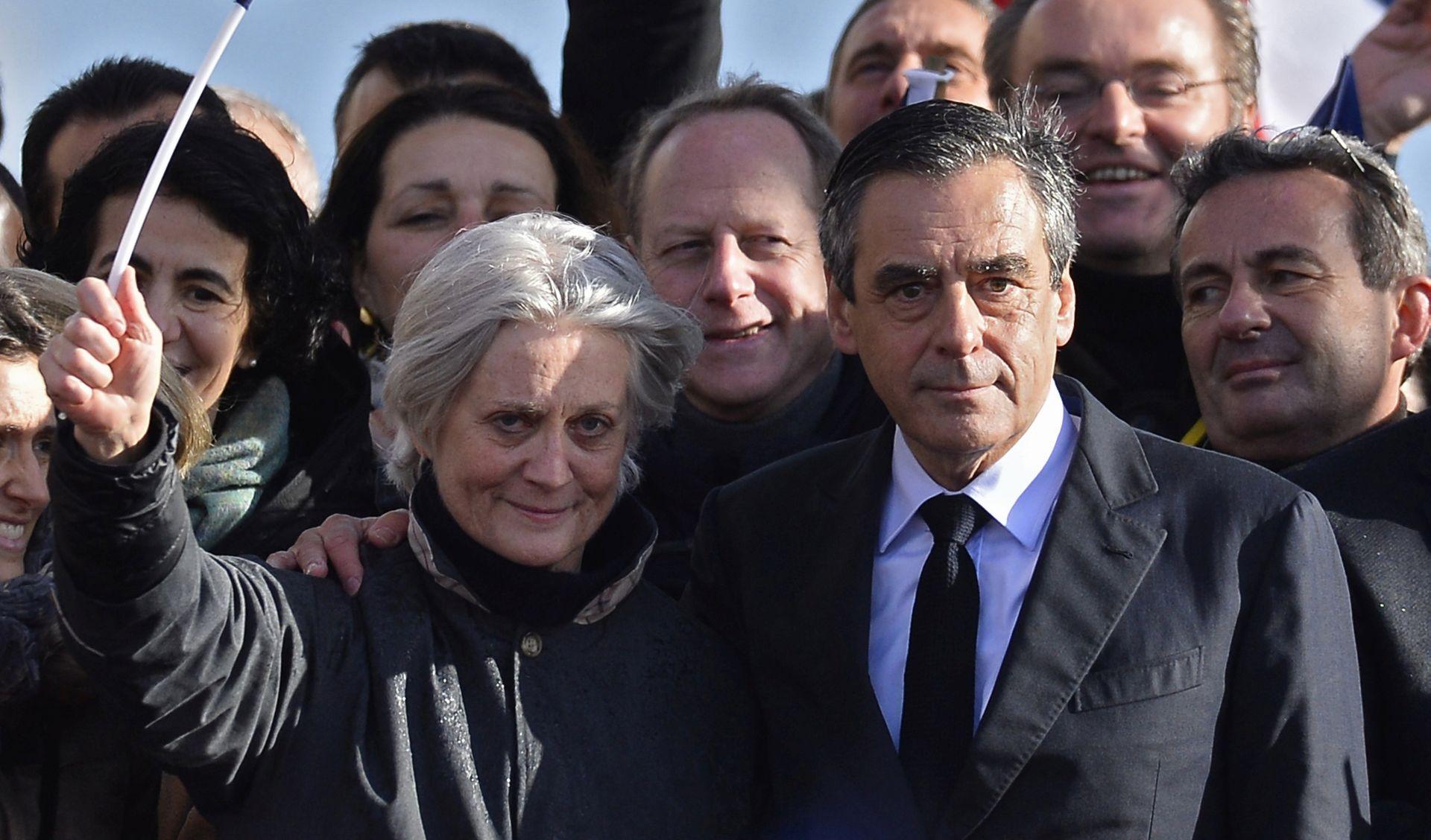 Nova optužnica zbog fiktivnih radnih mjesta u Fillonovu okruženju
