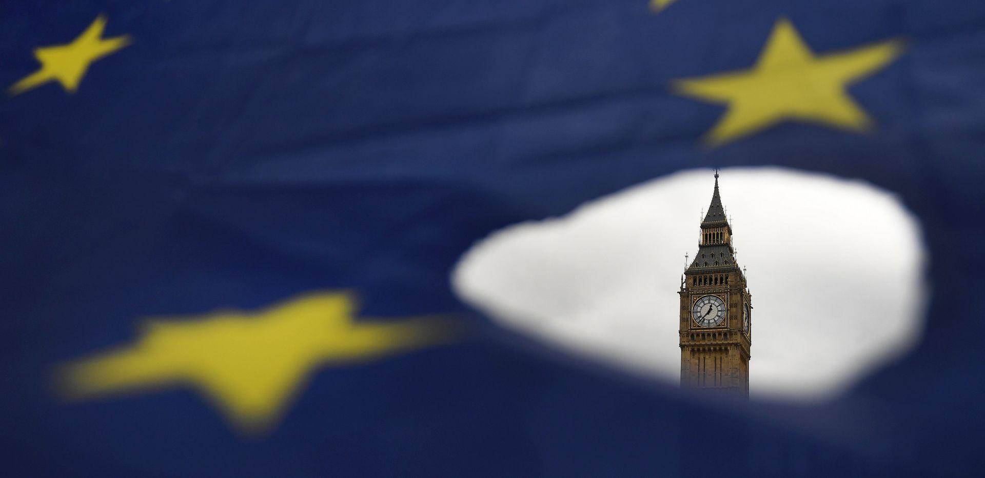 BARNIER 'EU je spreman i za scenarij neodogovora s Londonom o Brexitu'