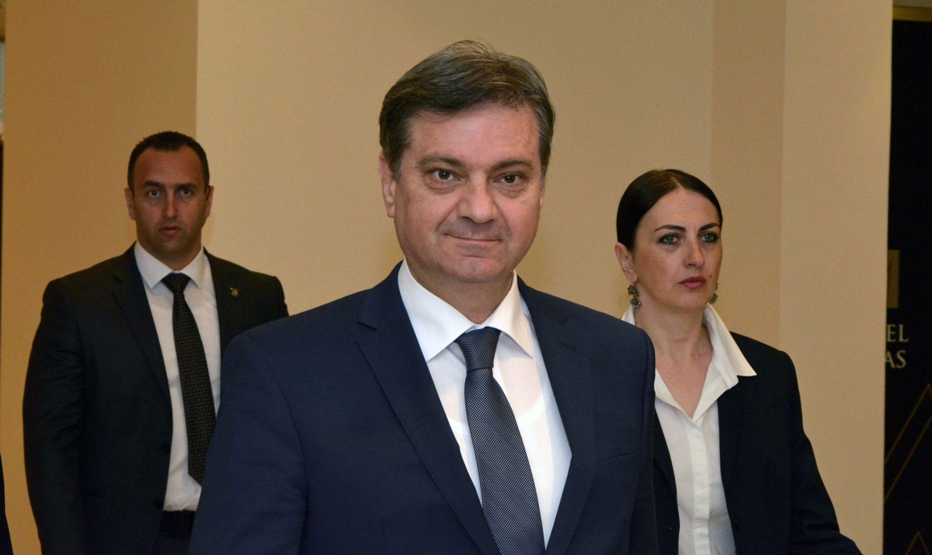ZVIZDIĆ 'Više nema parlamentarne većine, Vijeće ministara do jeseni 2018.'