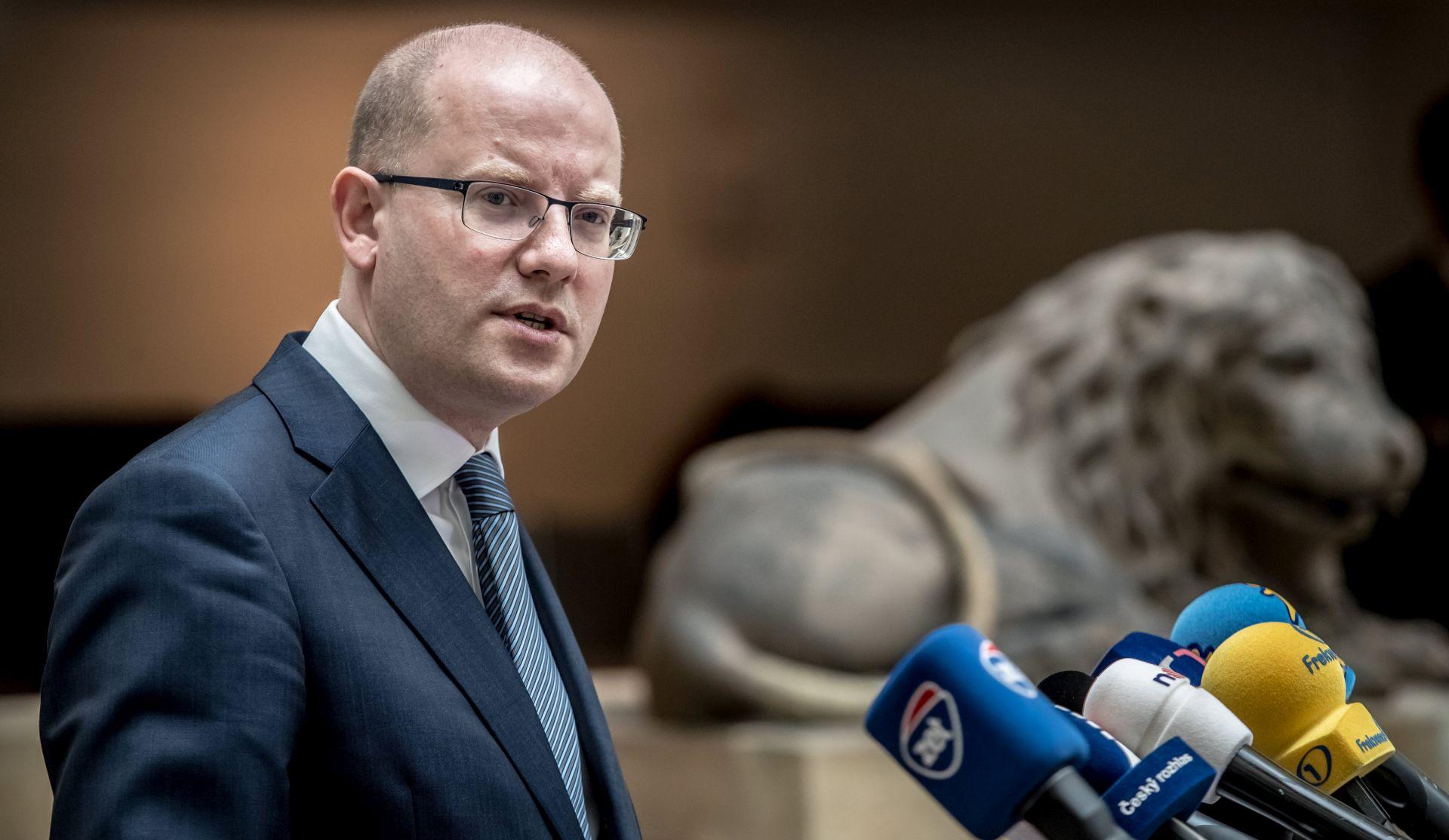 Sobotka odgodio formalnu ostavku vlade do druge polovice mjeseca