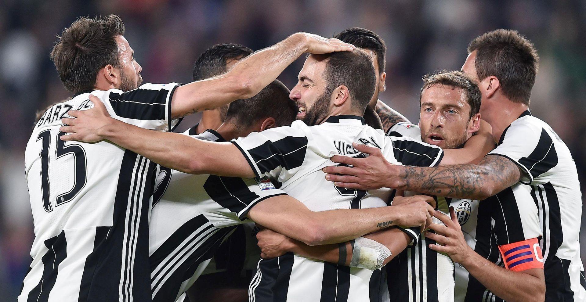 Juventus doveo Hoewedesa na jednogodišnju posudbu