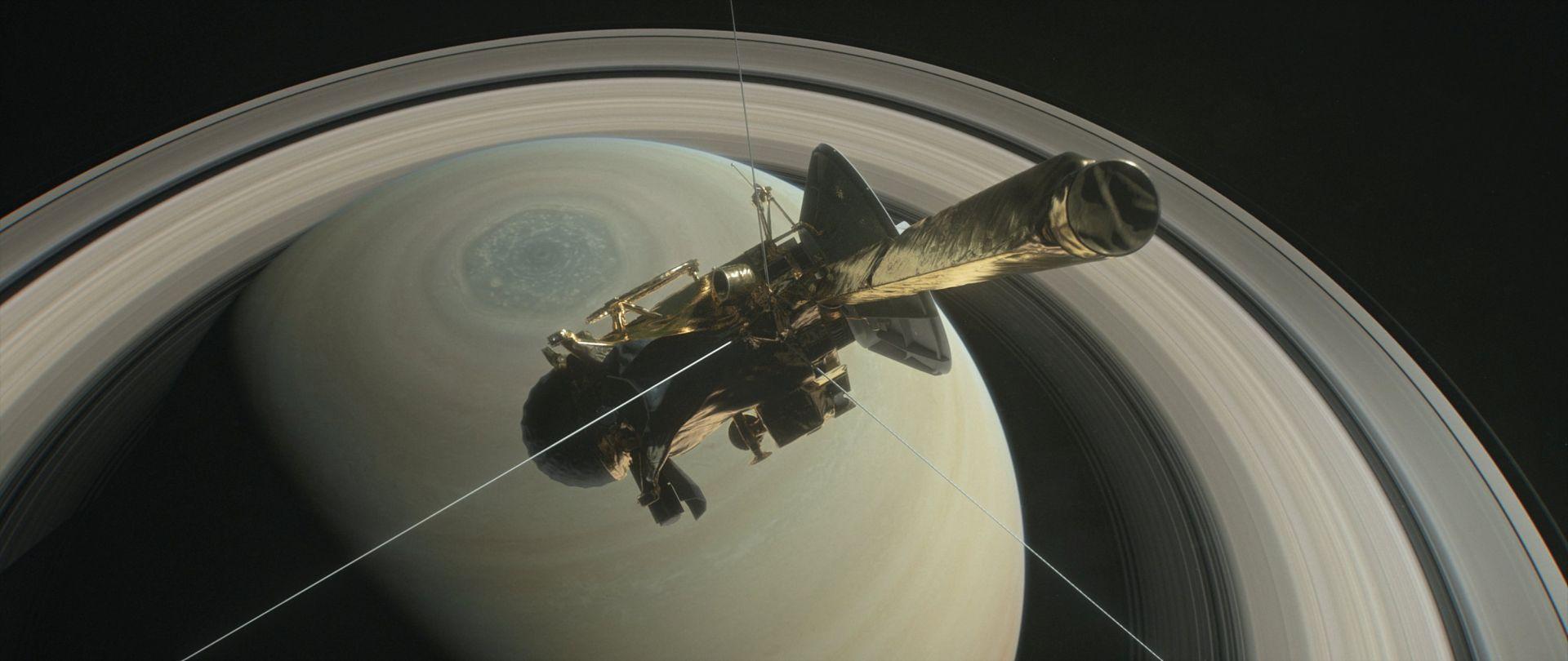 Prostor između Saturna i prstenova iznenađujuće bez prašine