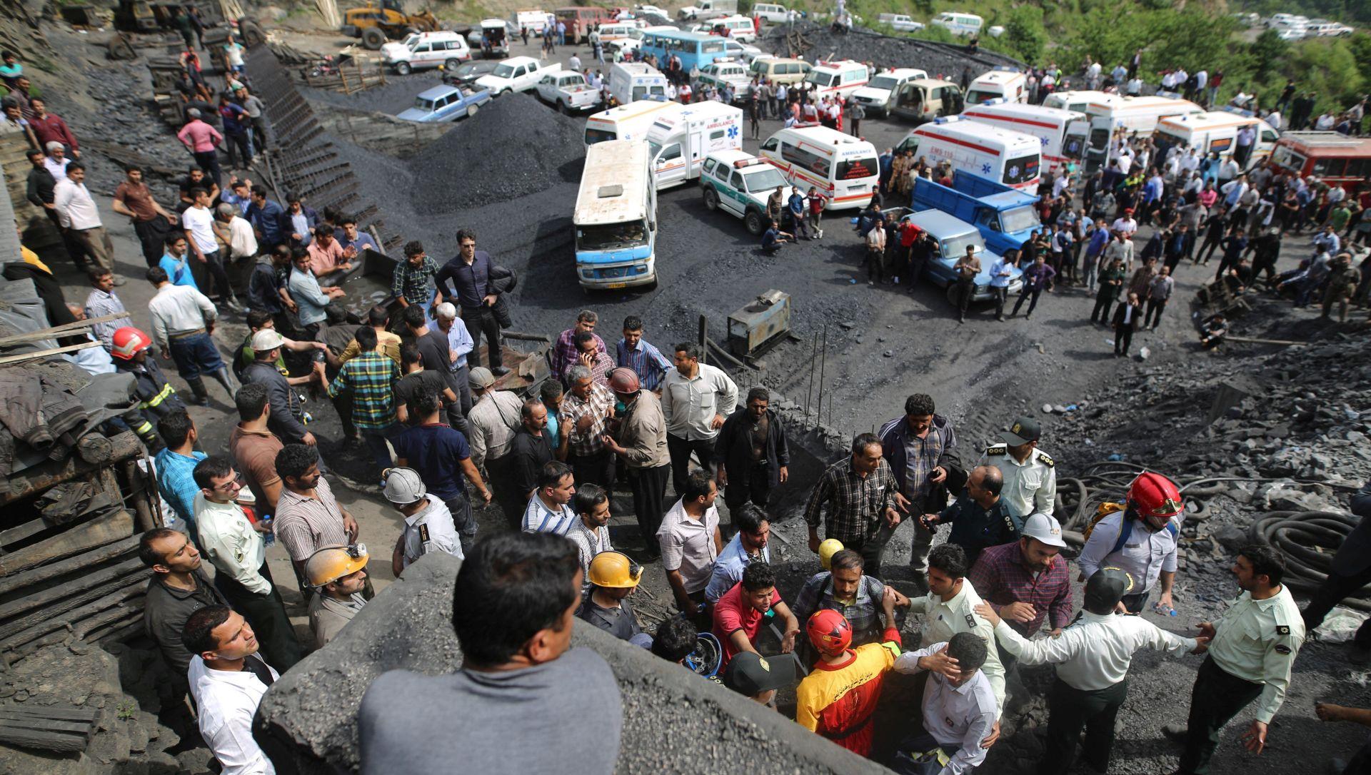 IRAN Nema nade za rudare zarobljene pod zemljom