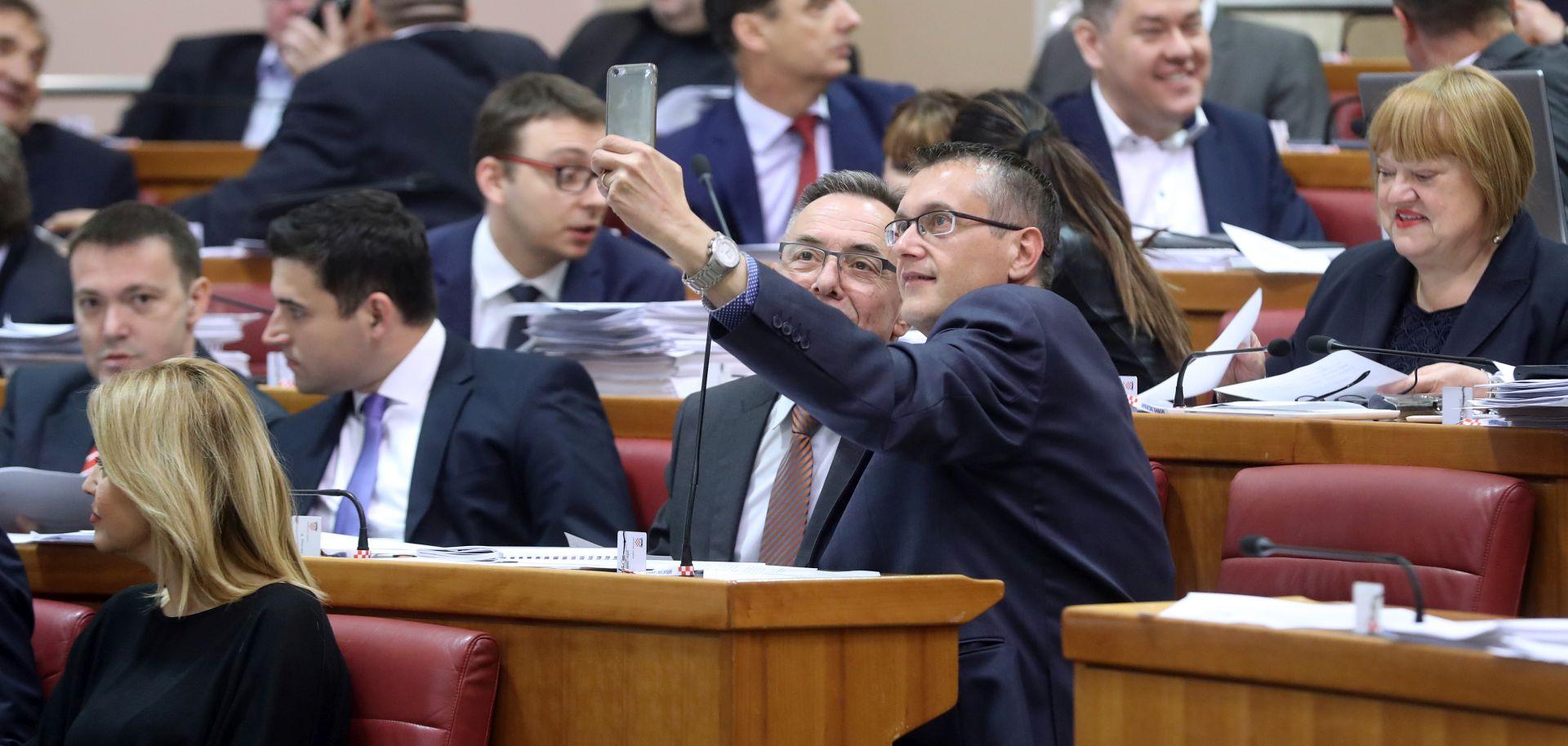 """BEUS RICHEMBERGH """"Ne bih se čudio da premijer da zeleno svjetlo za uhićenja čelnih ljudi Agrokora"""""""