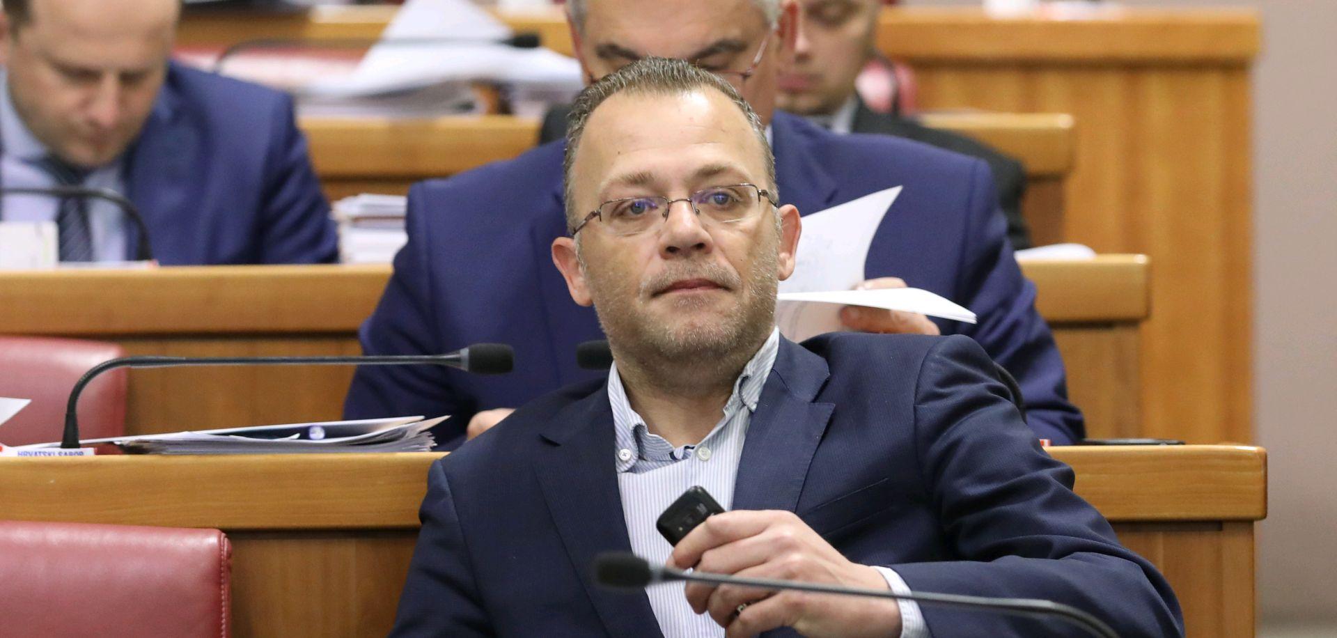 Glumci Drame HNK-a protiv imenovanja Hasanbegovića u Kazališno vijeće