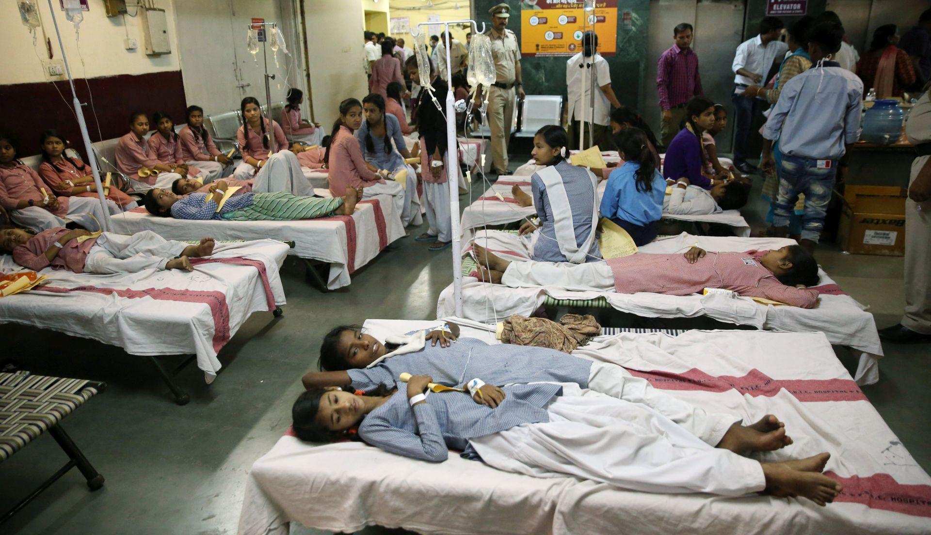 U New Delhiju zbog istjecanja plina 200 djece odvezeno u bolnicu