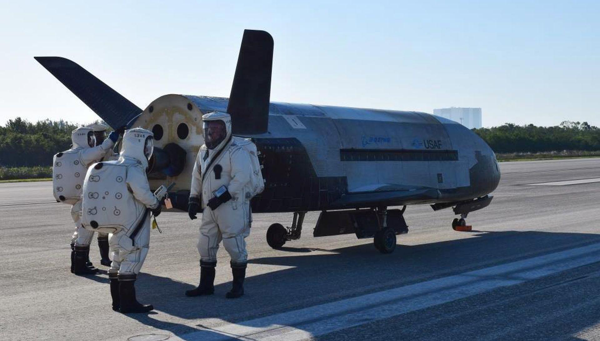 Tajanstveni X-37 vratio se na Zemlju