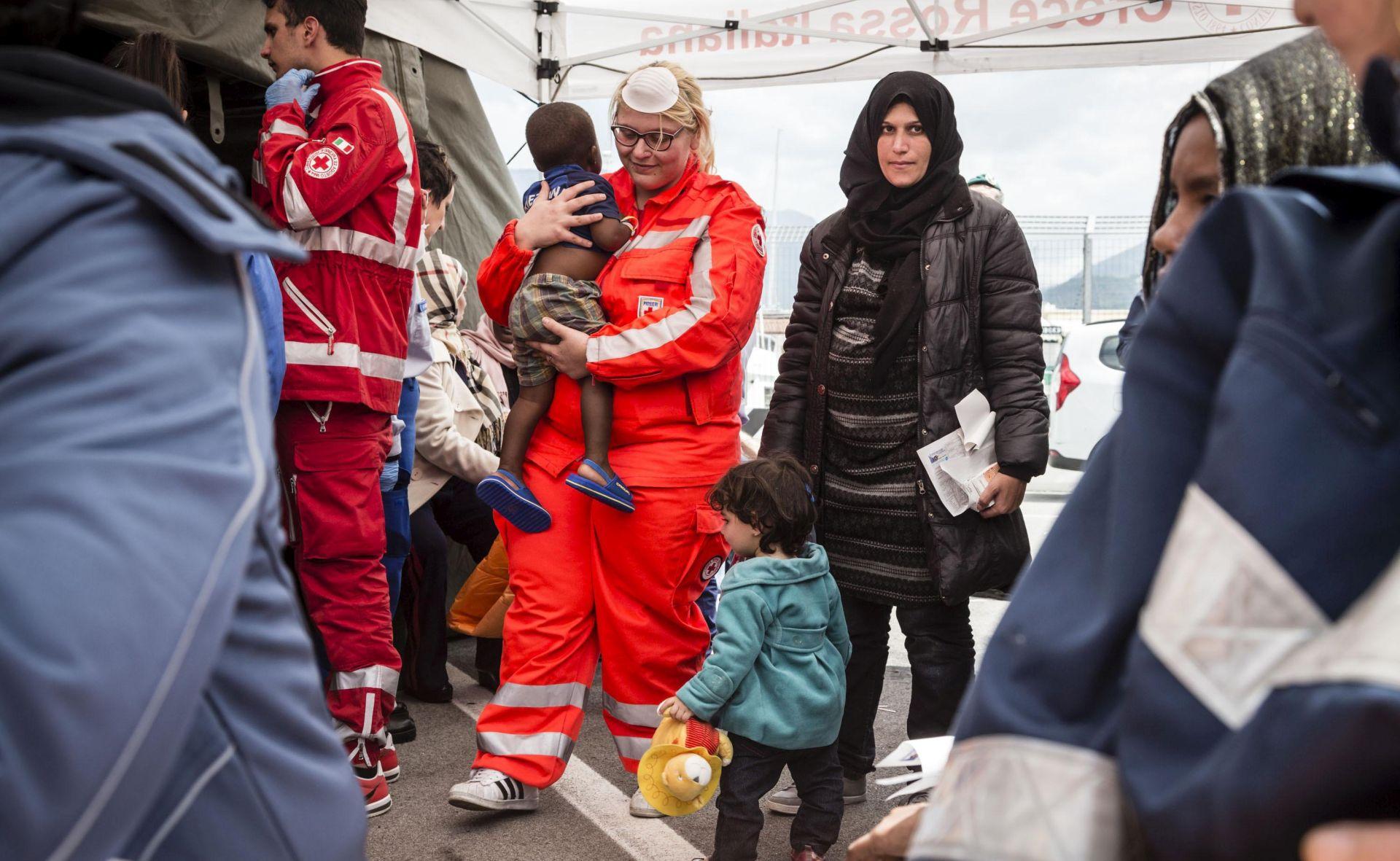 Italija istražuje jesu li krijumčari ljudi u dogovoru sa spasilačkim organizacijama