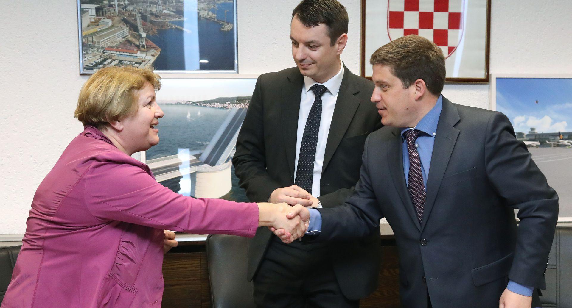 Potpisan ugovor o sufinanciranju izgradnje terminala u luci Osijek