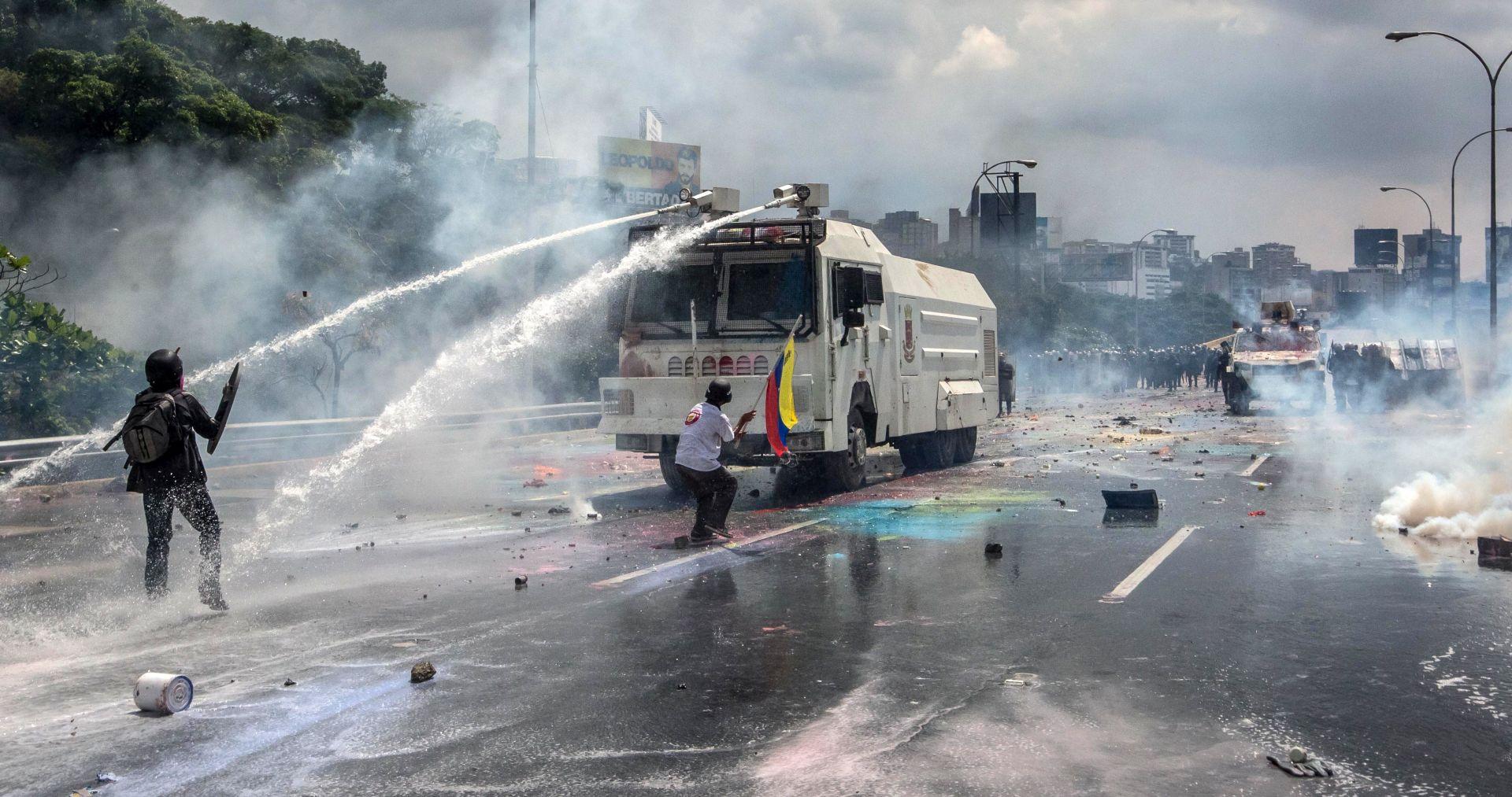 U nasilnim prosvjedima u Venezueli još dvije osobe izgubile život